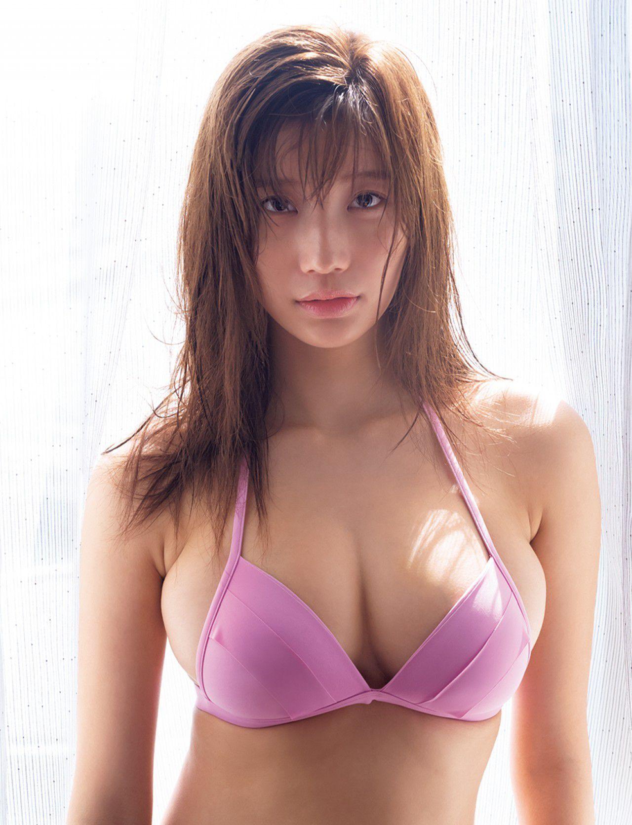 VOL.78 [FRIDAY]大胸日本嫩模:小仓优香(小倉優香)超高清写真套图(13P)