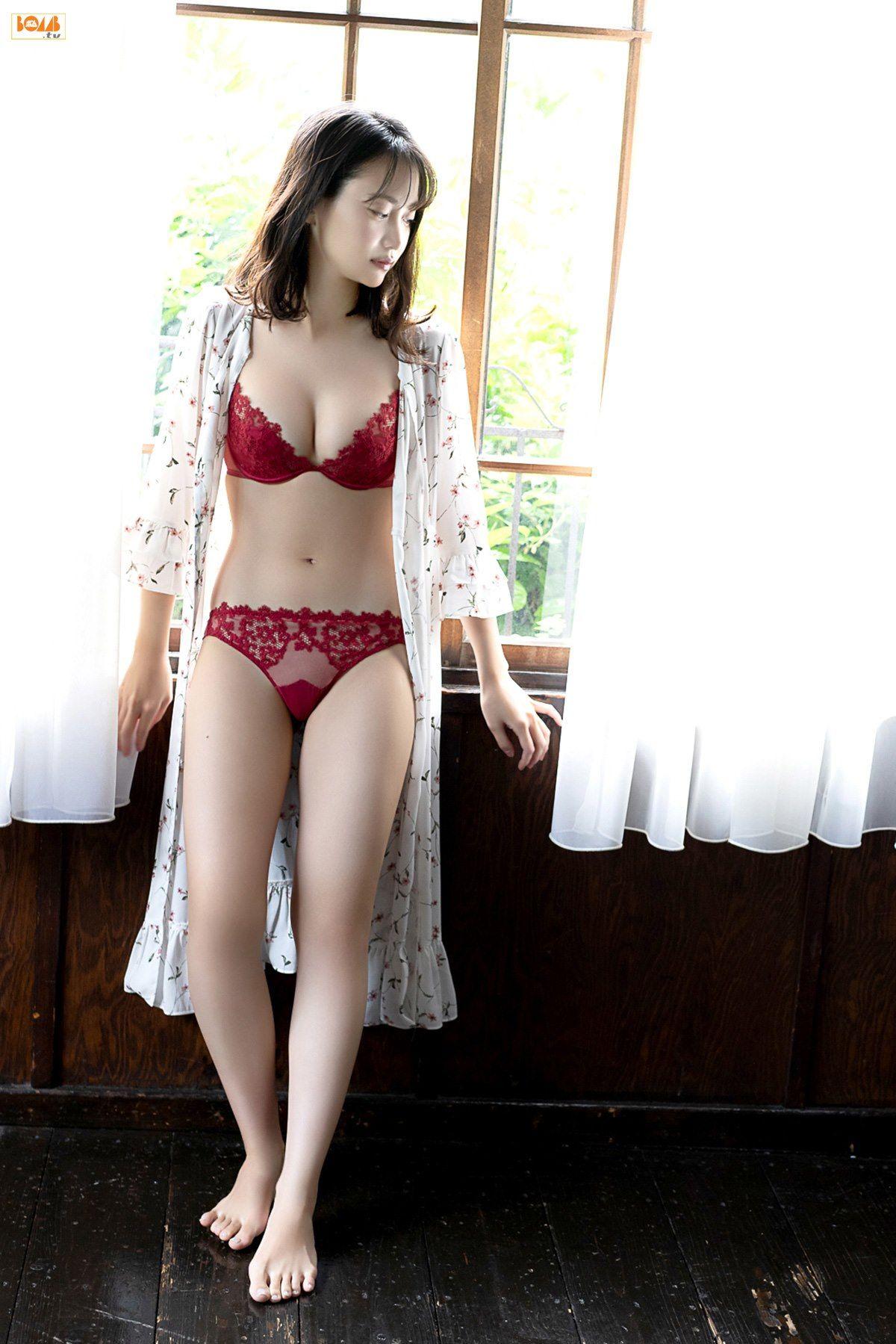 VOL.77 [Bomb.TV]美胸性感美女日本嫩模:永尾玛利亚(永尾まりや)超高清写真套图(57P)