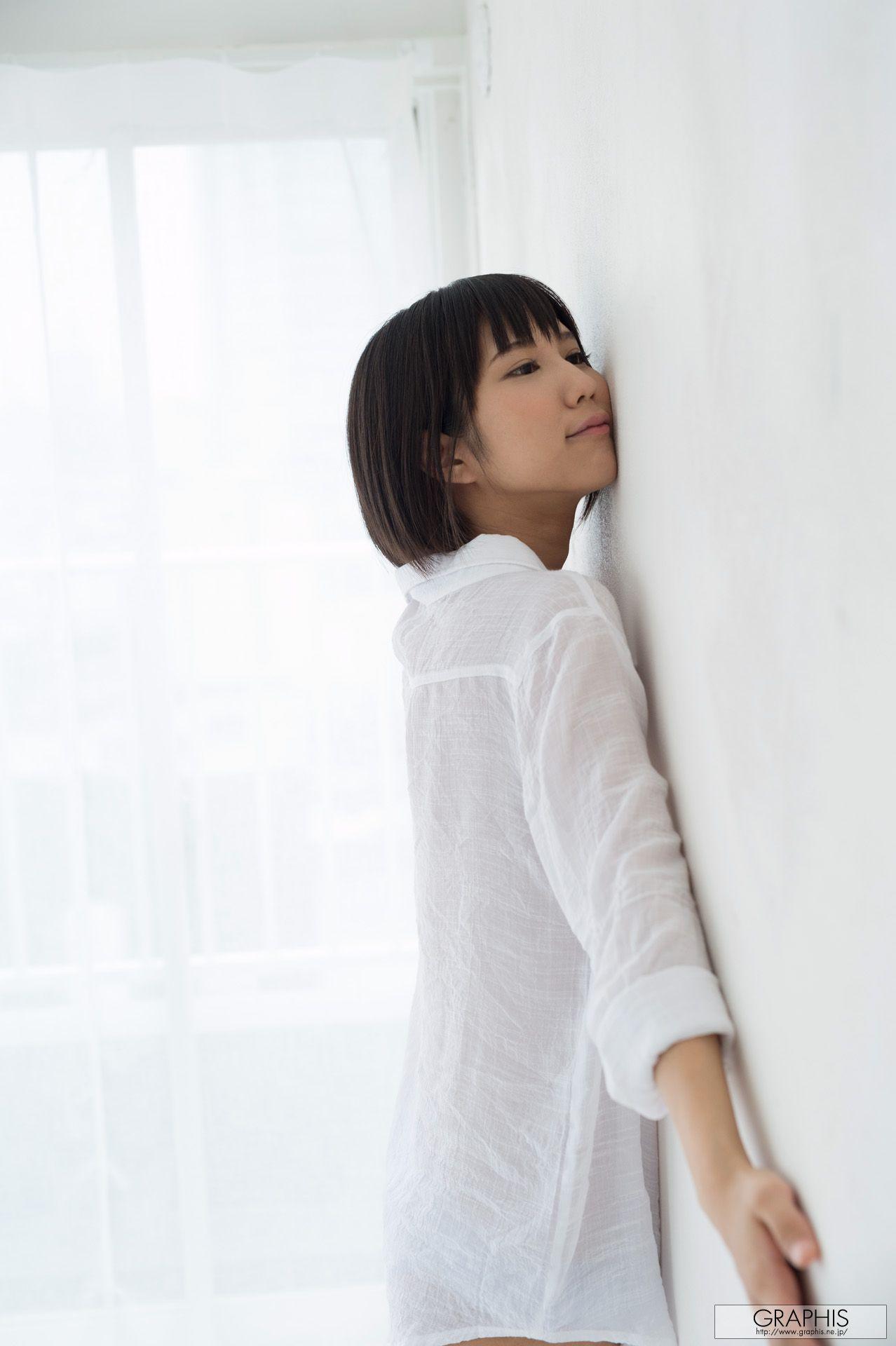 VOL.255 [Graphis]短发日本萌妹子:凑莉久(湊莉久)超高清写真套图(41P)