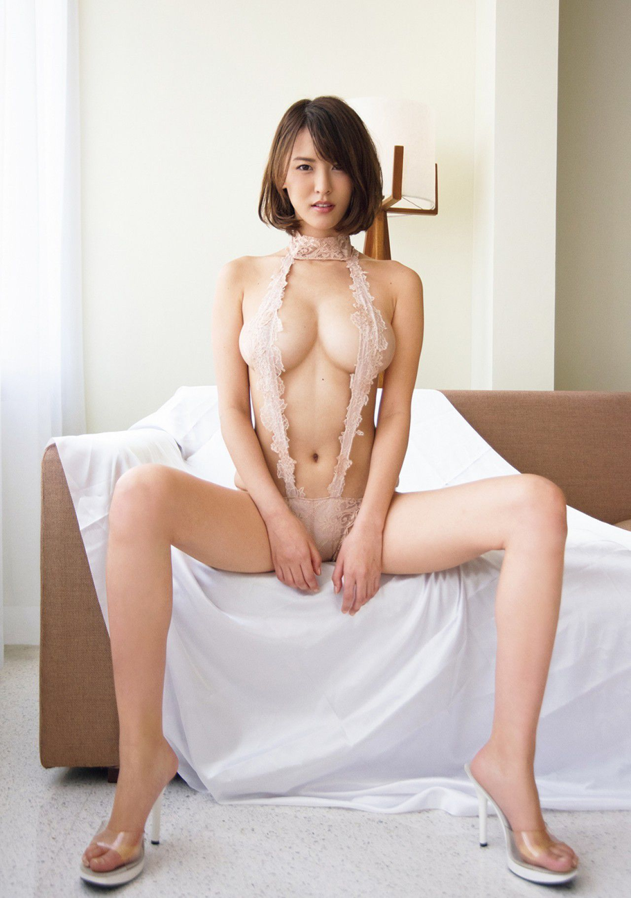 VOL.941 [FRIDAY]女神爆乳丰满少妇:奈月セナ超高清写真套图(10P)