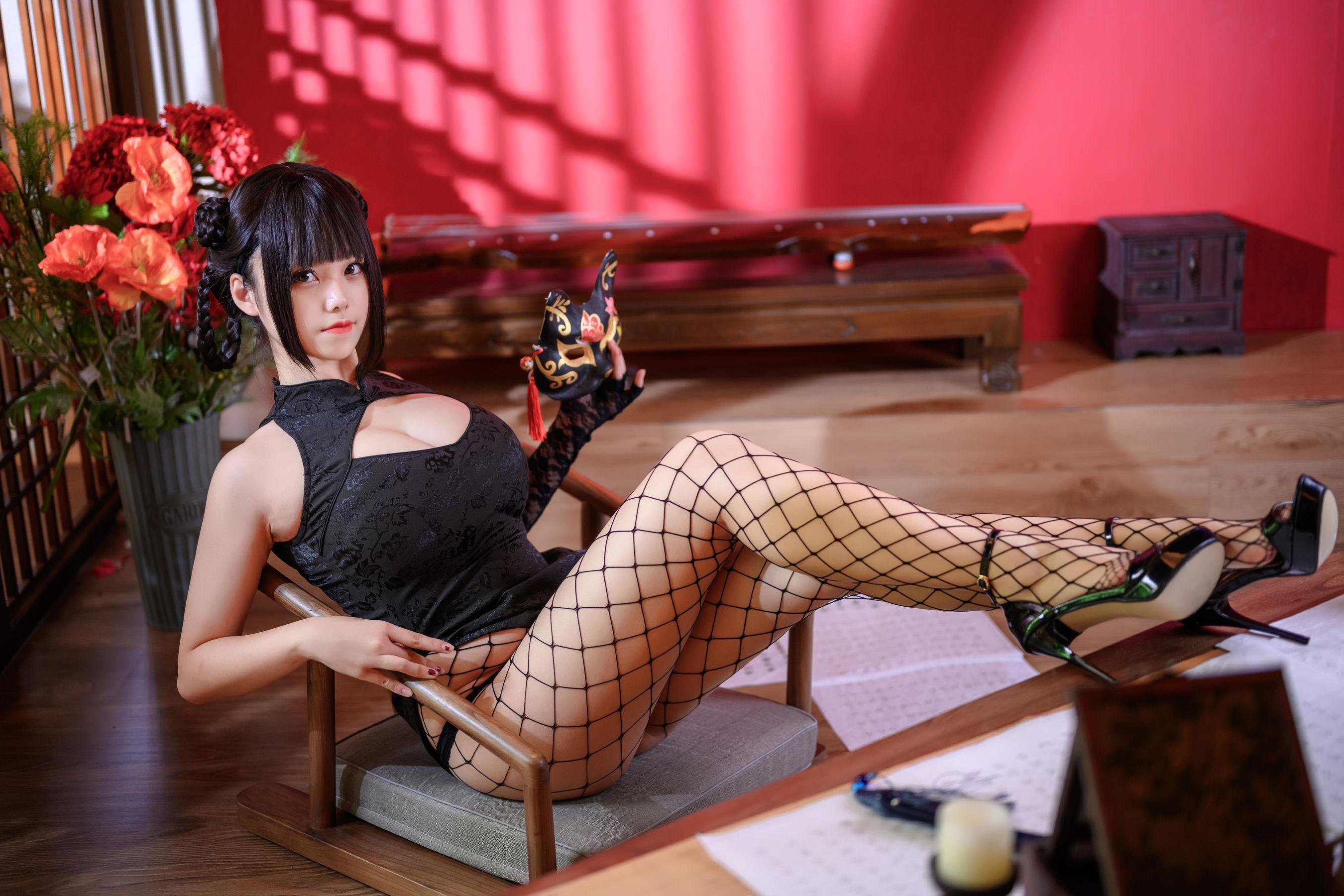 VOL.216 [网络美女]COSPLAY大胸:蜜汁猫裘(COSER蜜汁猫裘)超高清写真套图(56P)