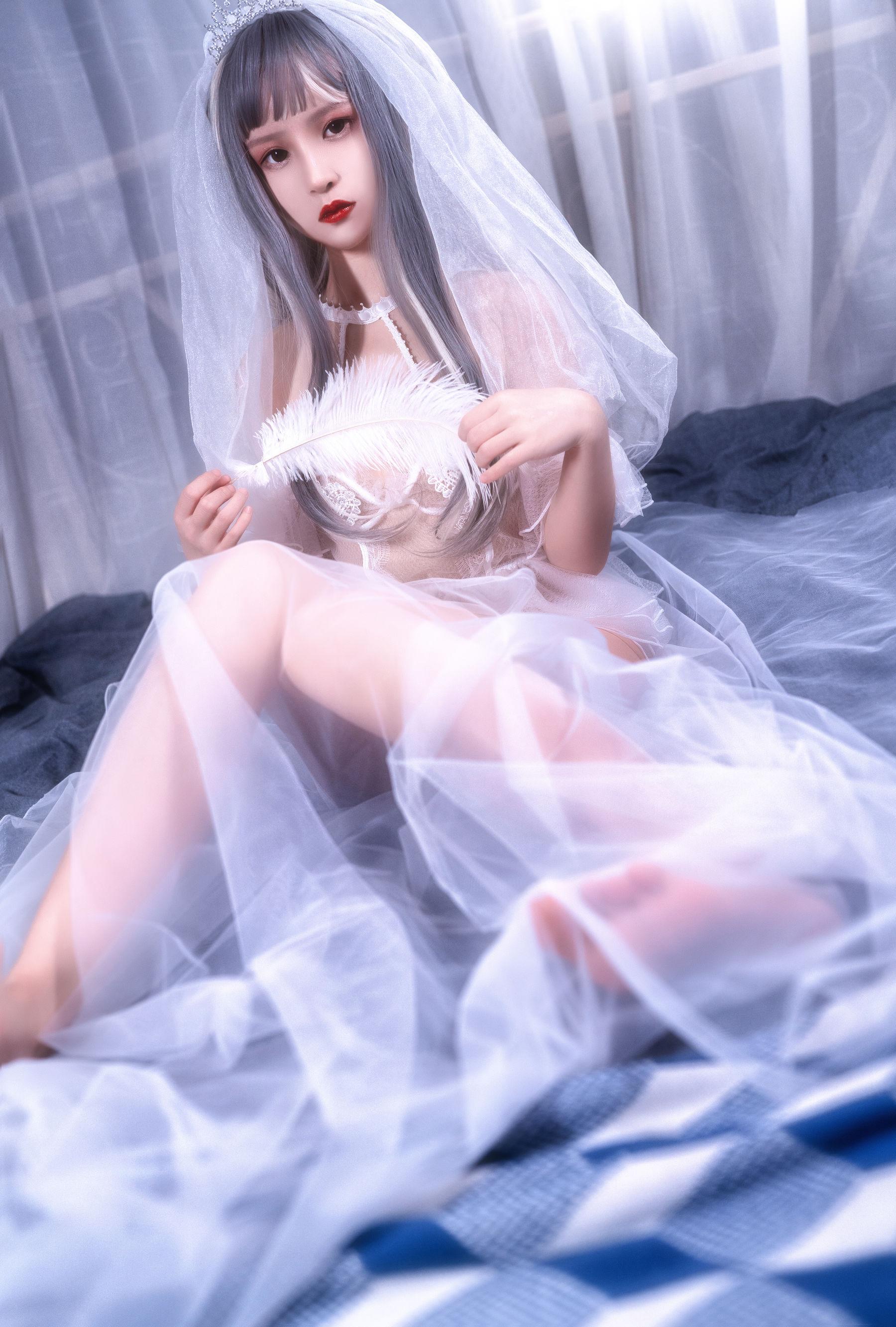 VOL.1441 [网络美女]福利婚纱透视美女:晕崽(晕崽Zz)超高清写真套图(19P)