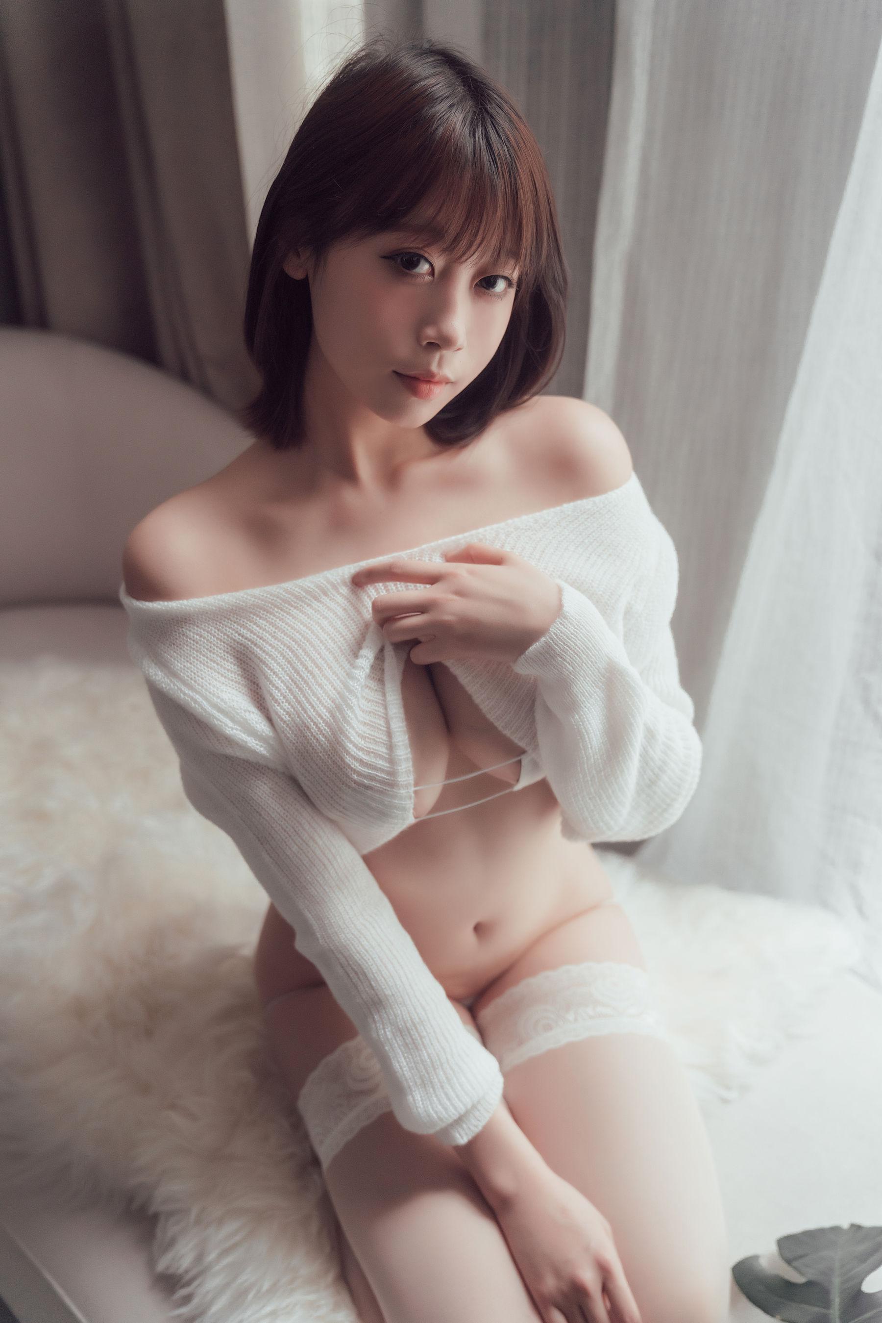 VOL.592 [网络美女]美乳性感少女情趣毛衣:奈汐酱(奈汐酱nice)超高清写真套图(32P)