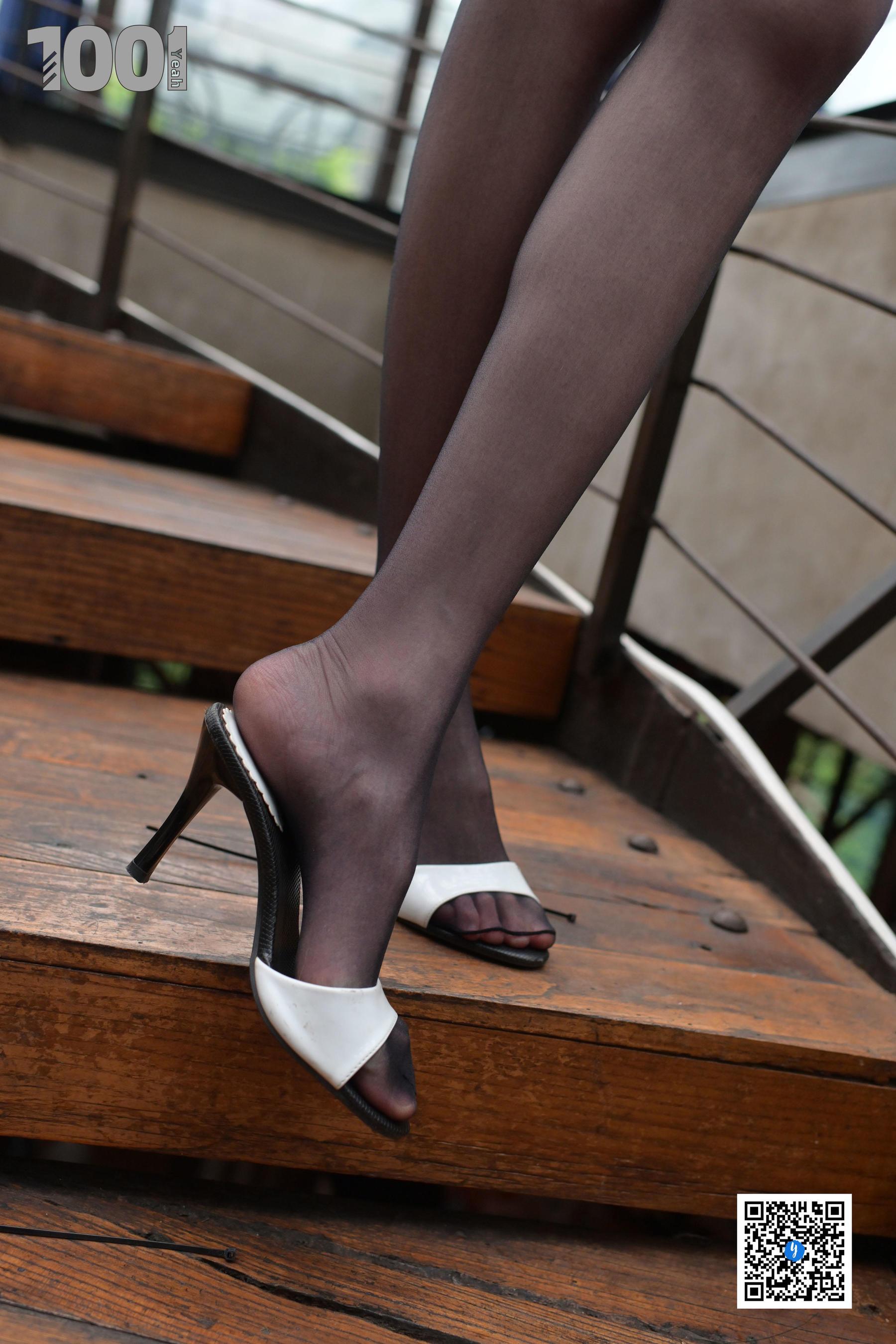 VOL.823 [异思趣向]美脚黑丝美腿:草莓高品质写真套图(74P)