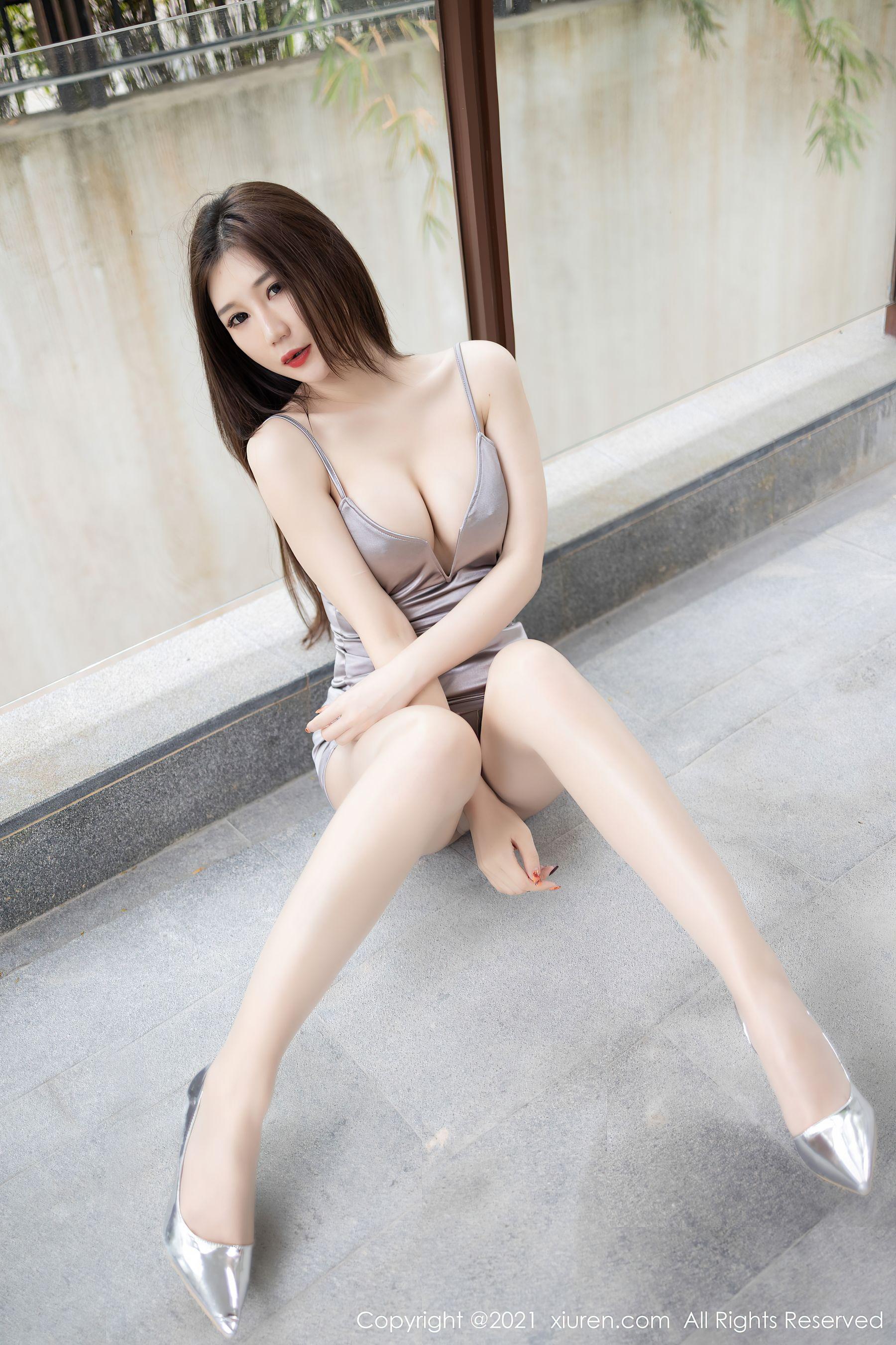 VOL.1774 [秀人网]诱惑风骚吊带:顾桥楠(玄子,顾乔楠)超高清写真套图(39P)