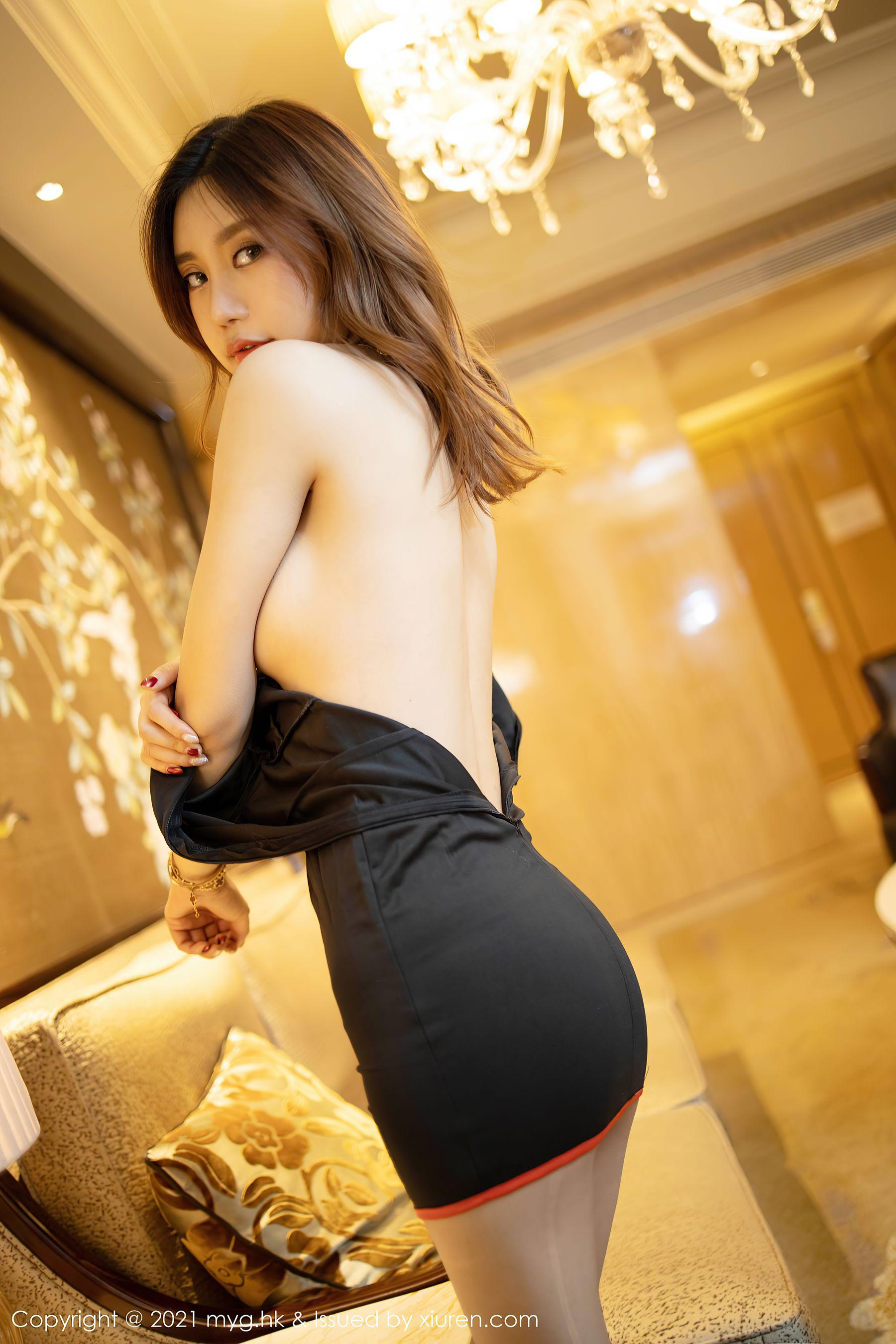 VOL.1809 [美媛馆]翘臀丝袜美臀情趣制服:Carina梦绮(绮里嘉Ula)超高清写真套图(61P)