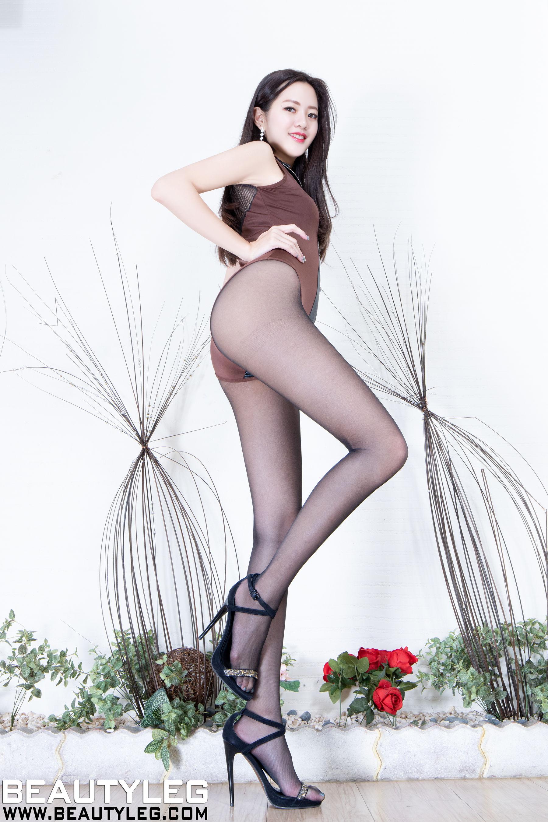 VOL.1090 [Beautyleg]黑丝美腿:腿模Una(Beautyleg Una)高品质写真套图(26P)