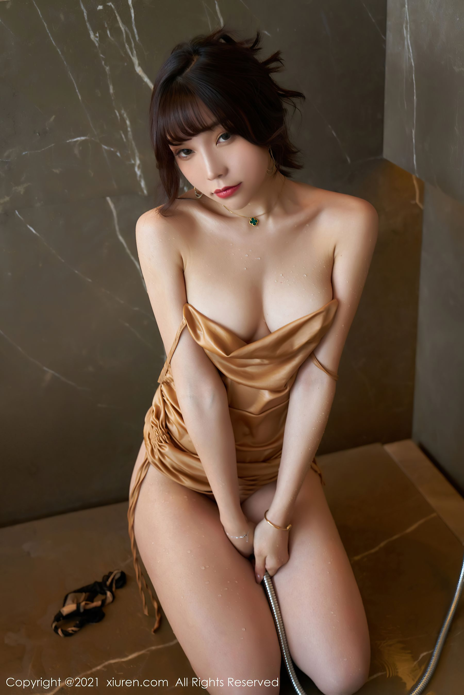 VOL.1490 [秀人网]湿身吊带黑丝诱惑:芝芝Booty(陈芝)超高清写真套图(83P)