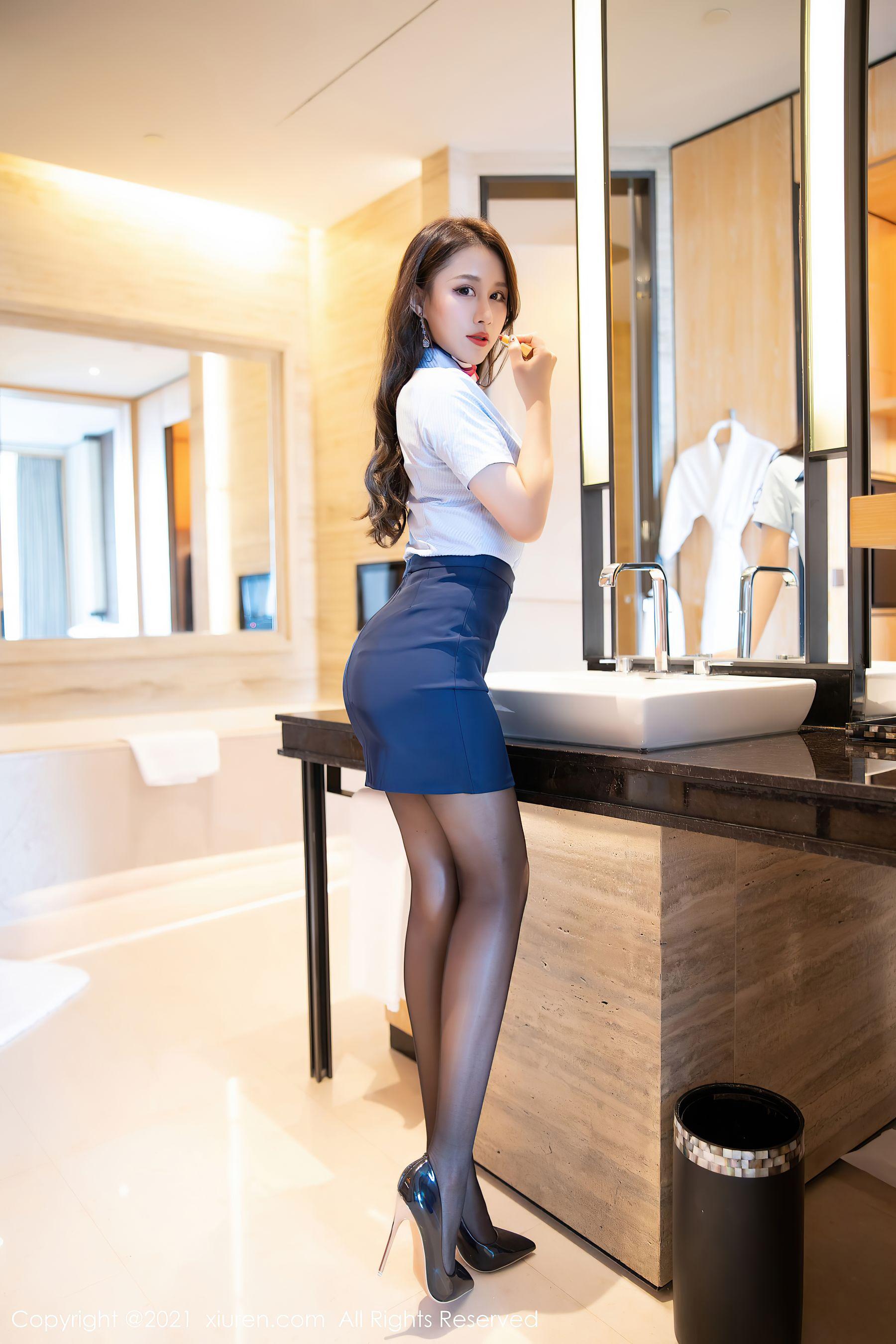 VOL.150 [秀人网]女秘书黑丝制服白领丽人:徐安安超高清写真套图(64P)