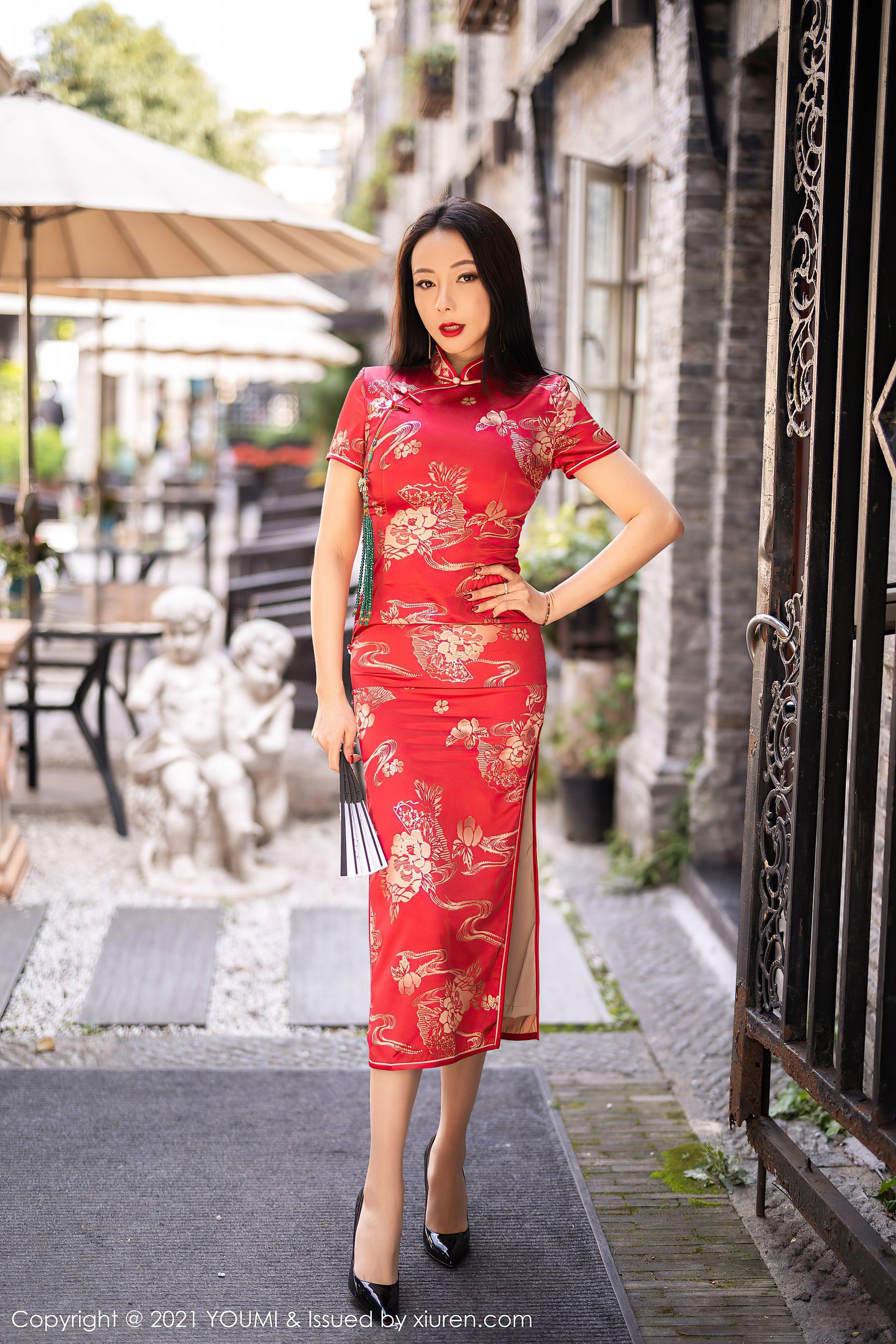 VOL.1532 [尤蜜荟]旗袍优雅美女轻熟女:松果儿(闫雪松)超高清写真套图(45P)