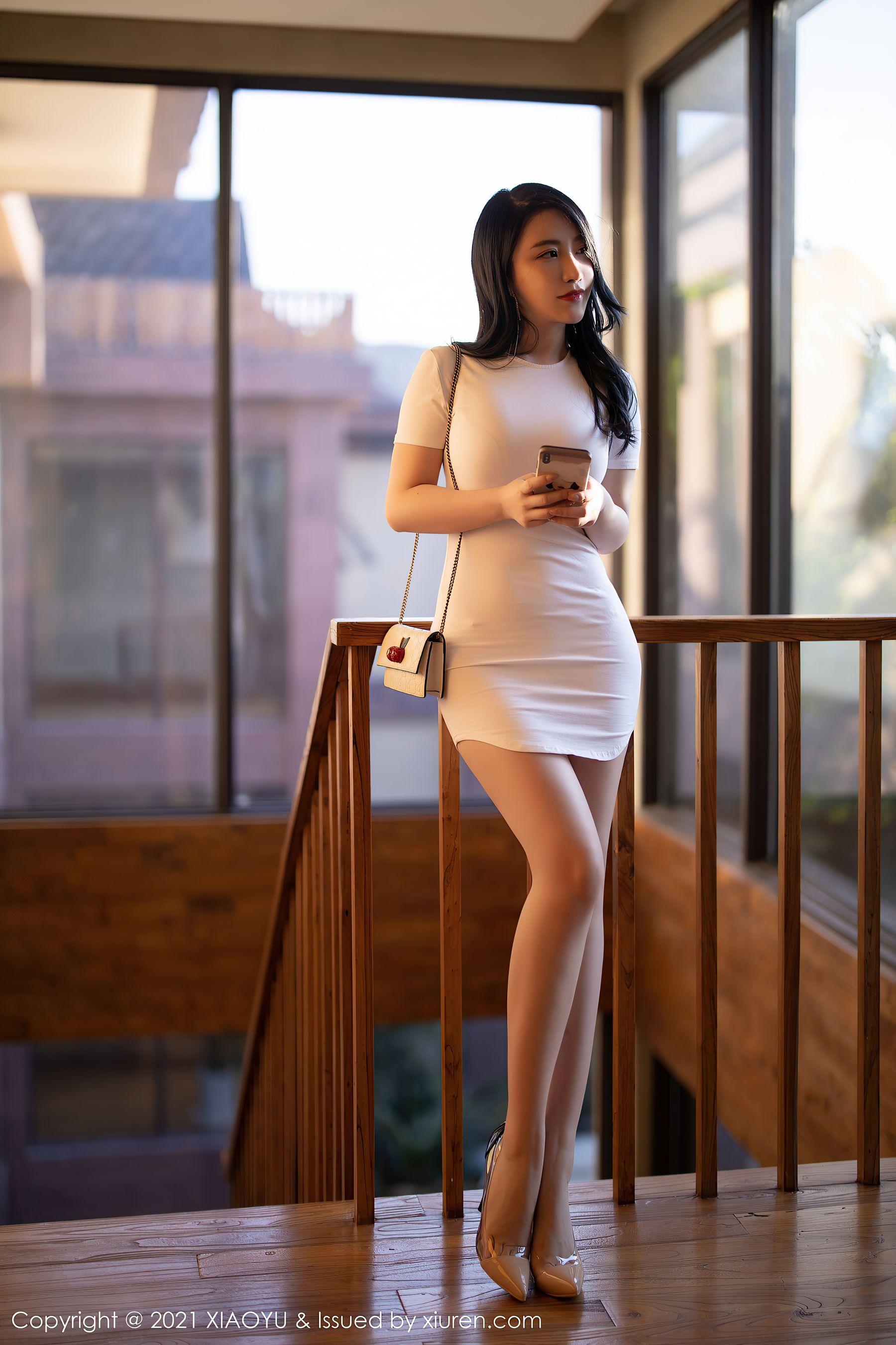 VOL.1005 [语画界]包臀裙美女街拍美腿:绯月樱(绯月樱Cherry,谢芷馨)超高清写真套图(91P)