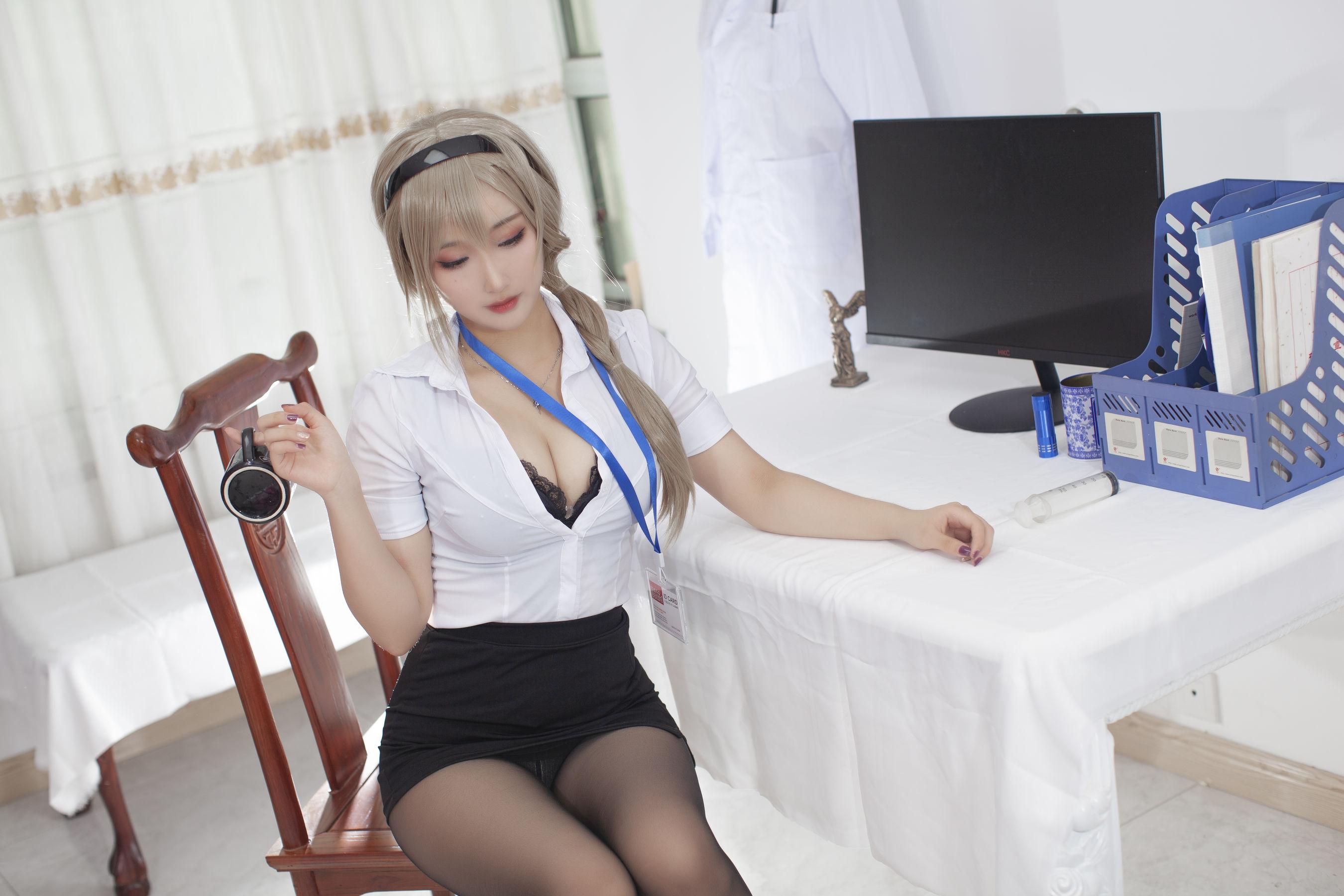 VOL.702 [网络美女]医生黑丝制服:洛璃LoLiSAMA超高清写真套图(34P)