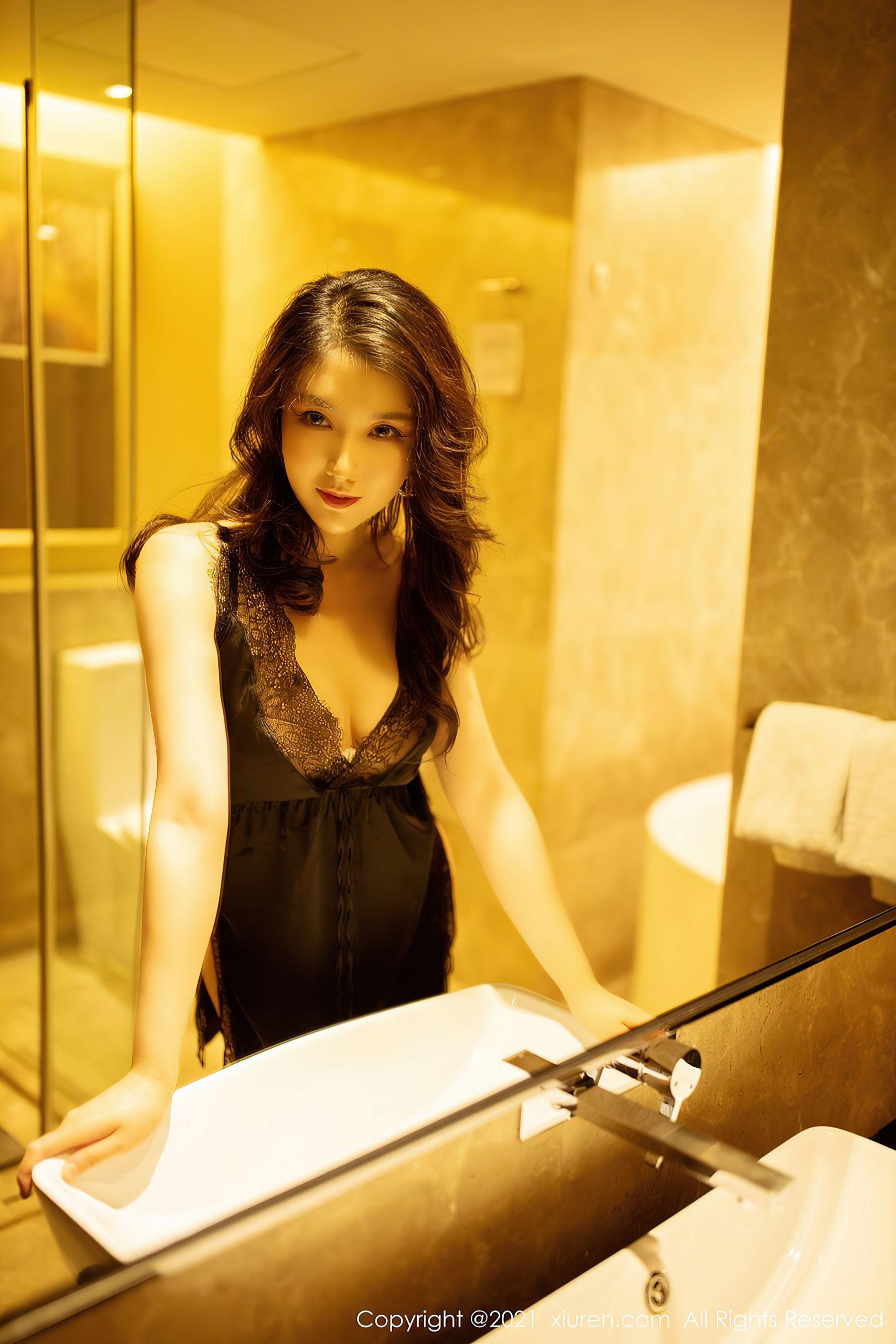 VOL.1535 [秀人网]睡衣浴室性感女郎:刘艾琳(刘艾琳Allen)超高清写真套图(39P)