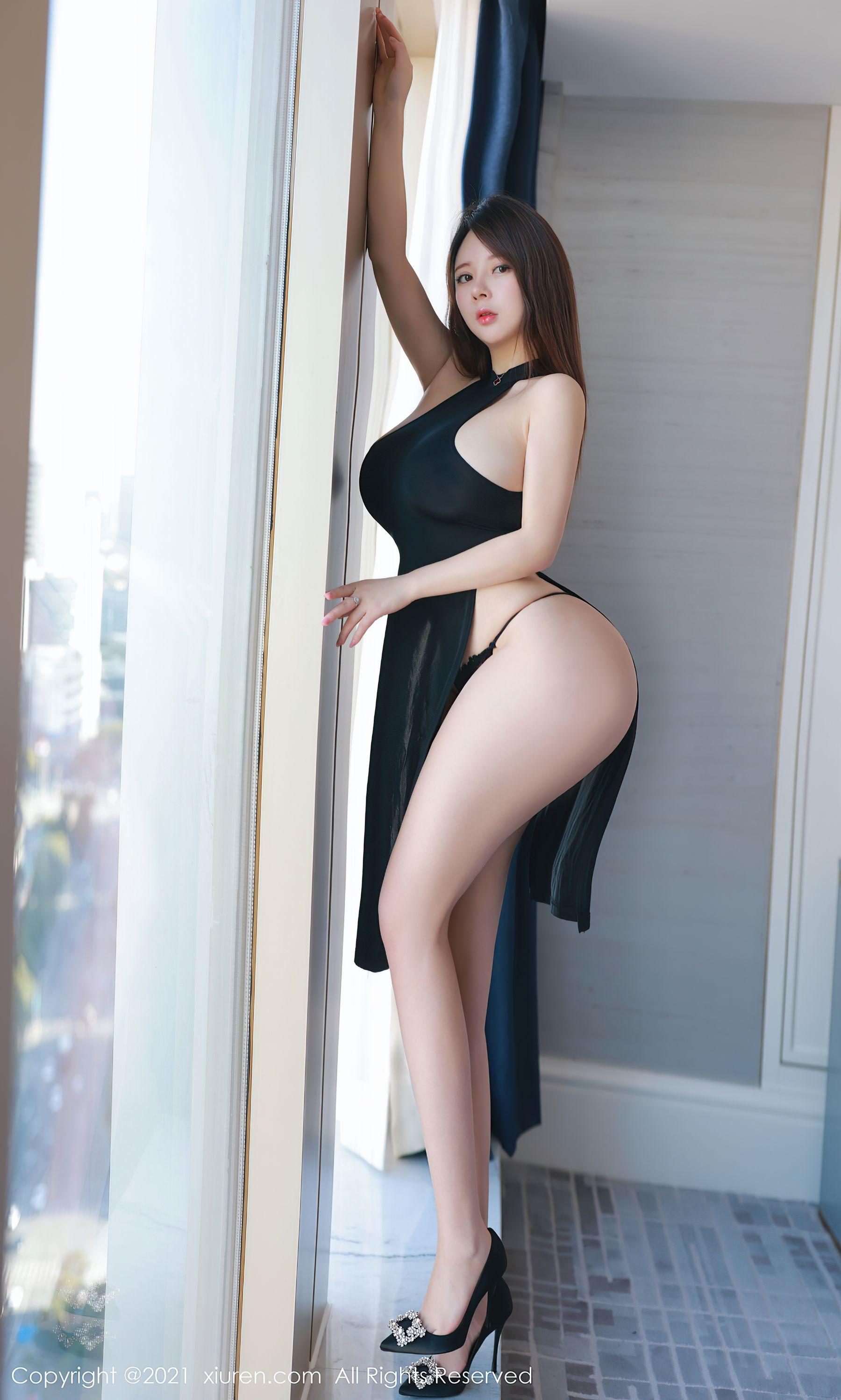 VOL.132 [秀人网]巨乳爆乳情趣制服:奶油妹妹超高清写真套图(31P)