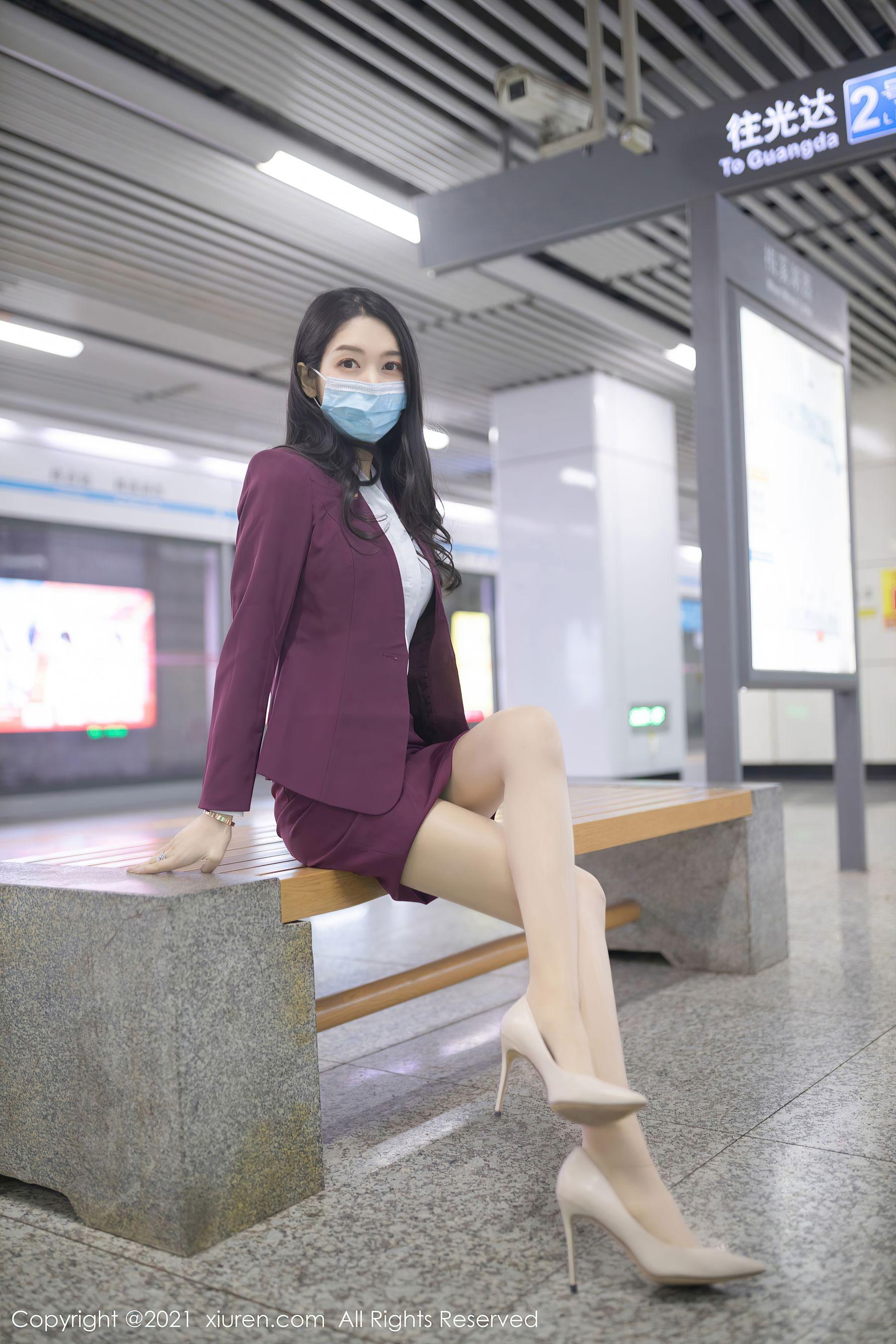 VOL.1885 [秀人网]街拍美腿白领丽人:小热巴(Angela00)超高清写真套图(87P)