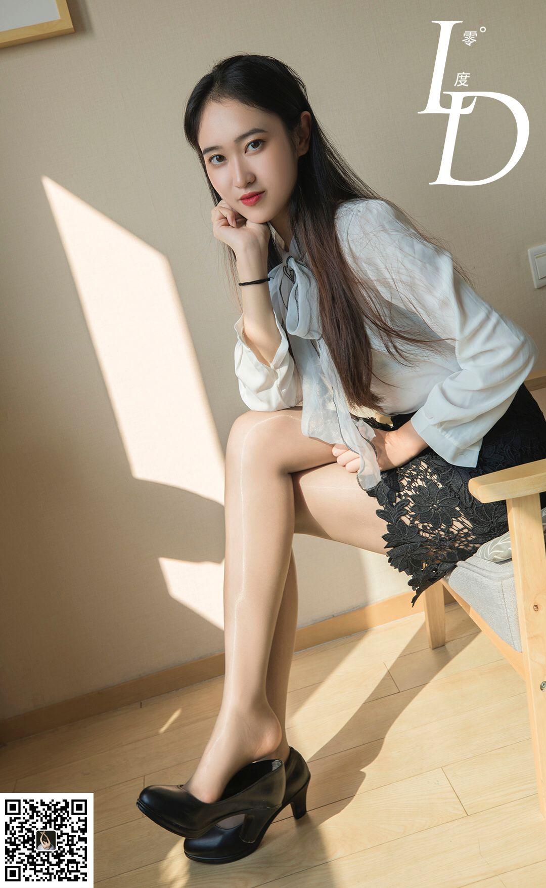 VOL.32 [LD零度]丝袜女郎:一含高品质写真套图(72P)