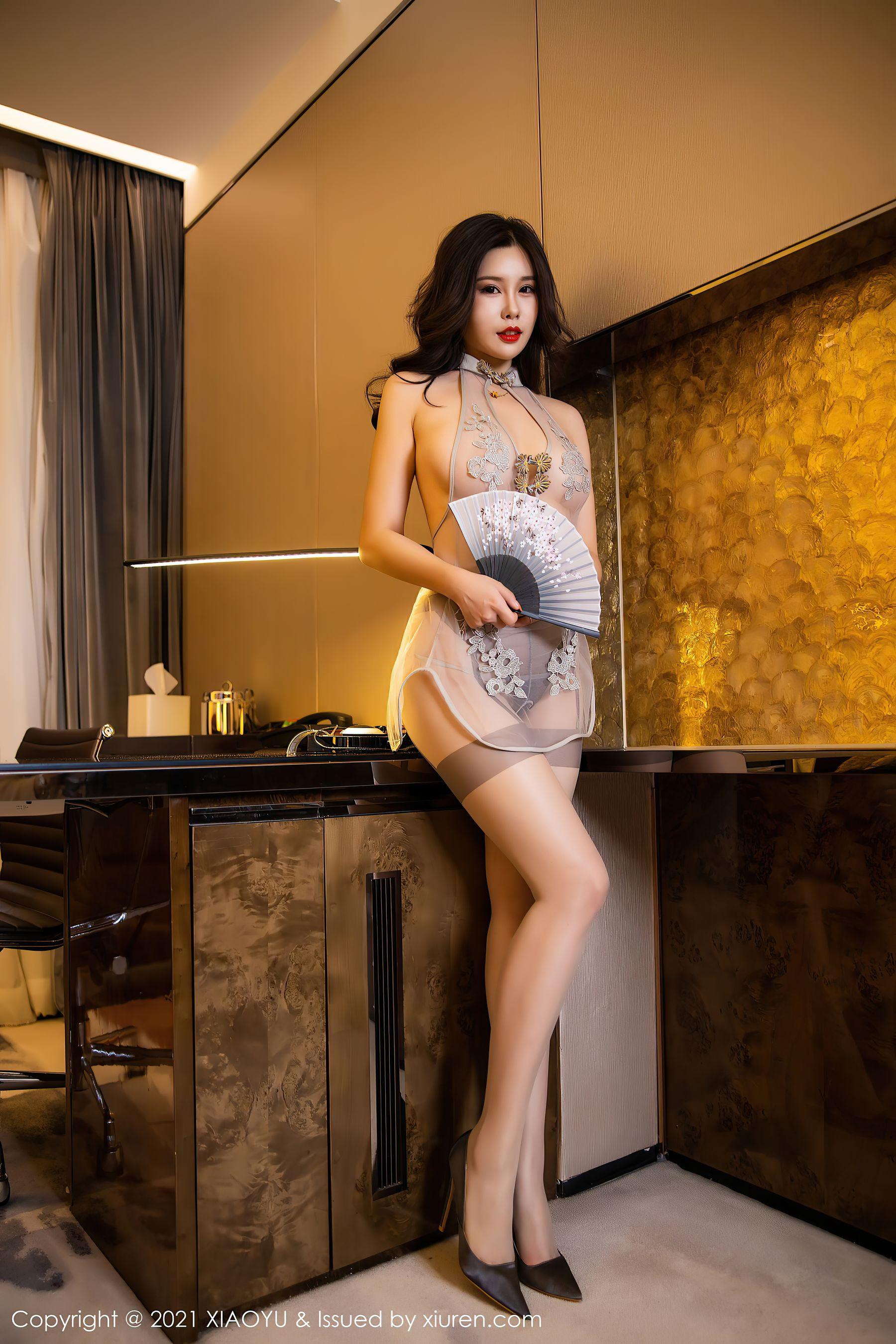 VOL.321 [语画界]透视美女情趣制服:周思乔(周思乔Betty)超高清写真套图(69P)