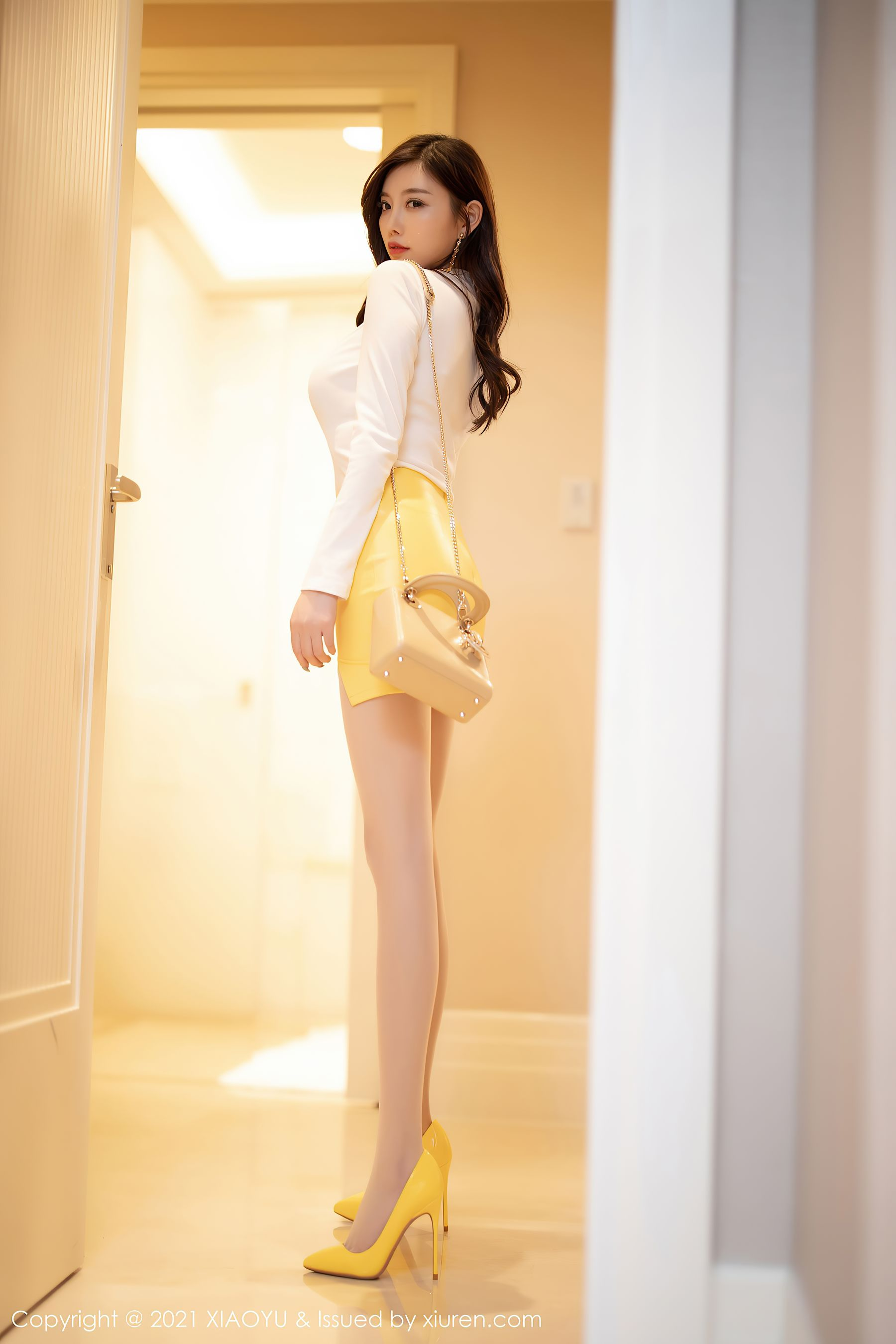 VOL.160 [语画界]美腿性感女郎:杨晨晨(sugar小甜心CC,杨晨晨sugar)超高清写真套图(86P)