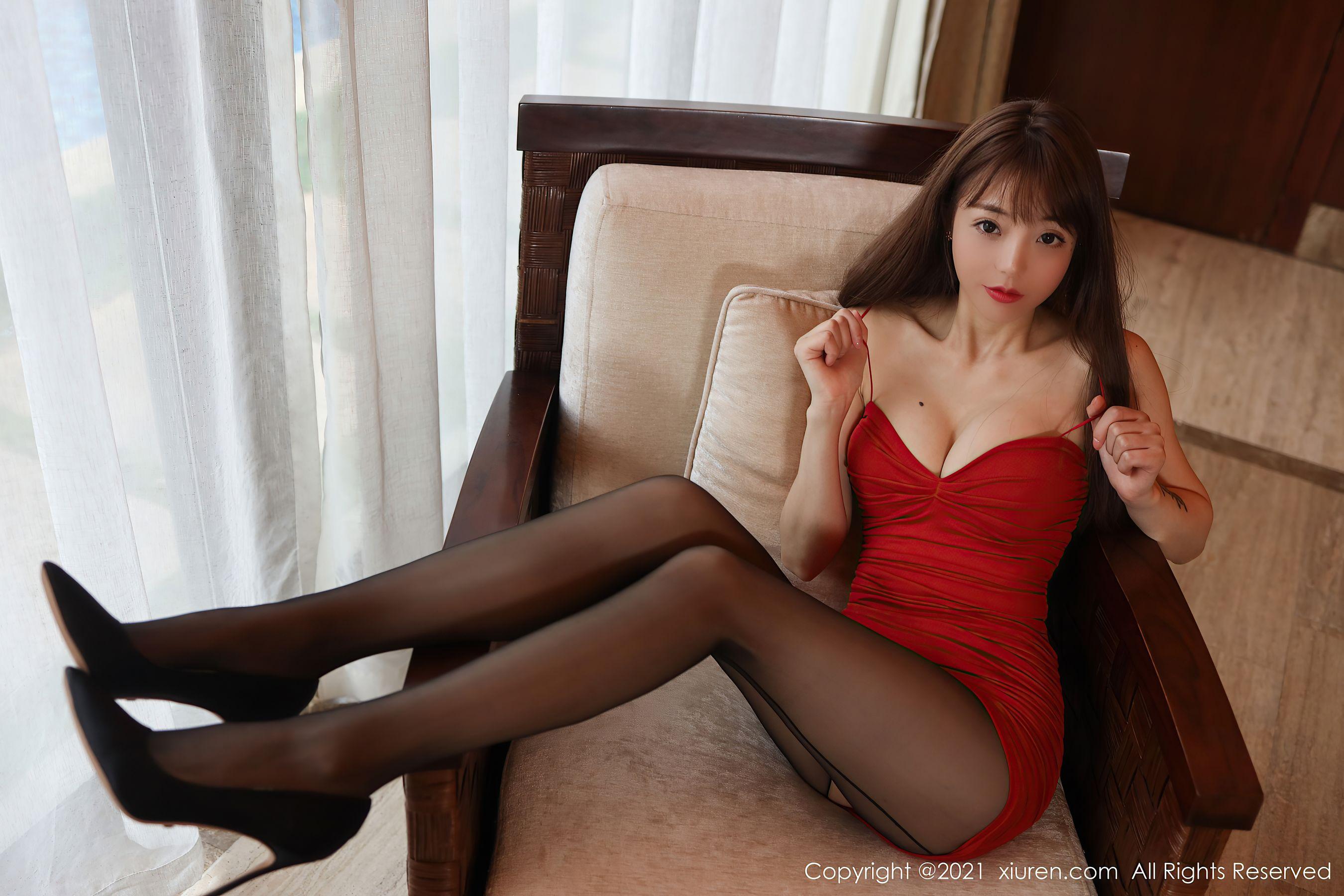 VOL.945 [秀人网]丝袜美臀黑丝美腿吊带:佘贝拉(佘贝拉bella)超高清写真套图(54P)
