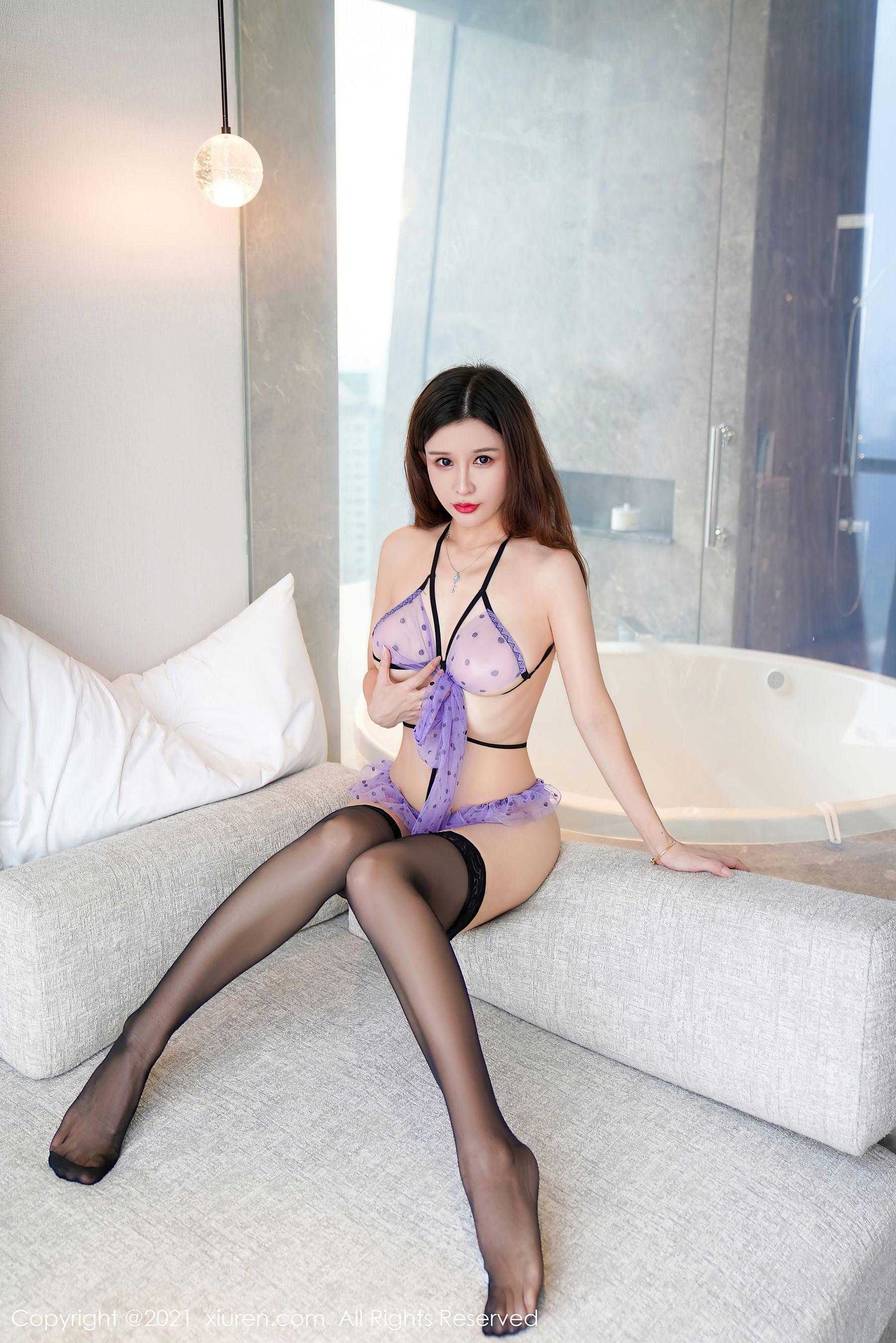 VOL.384 [秀人网]私房福利丁字裤情趣内衣:纯小希(张雨萌)超高清写真套图(37P)