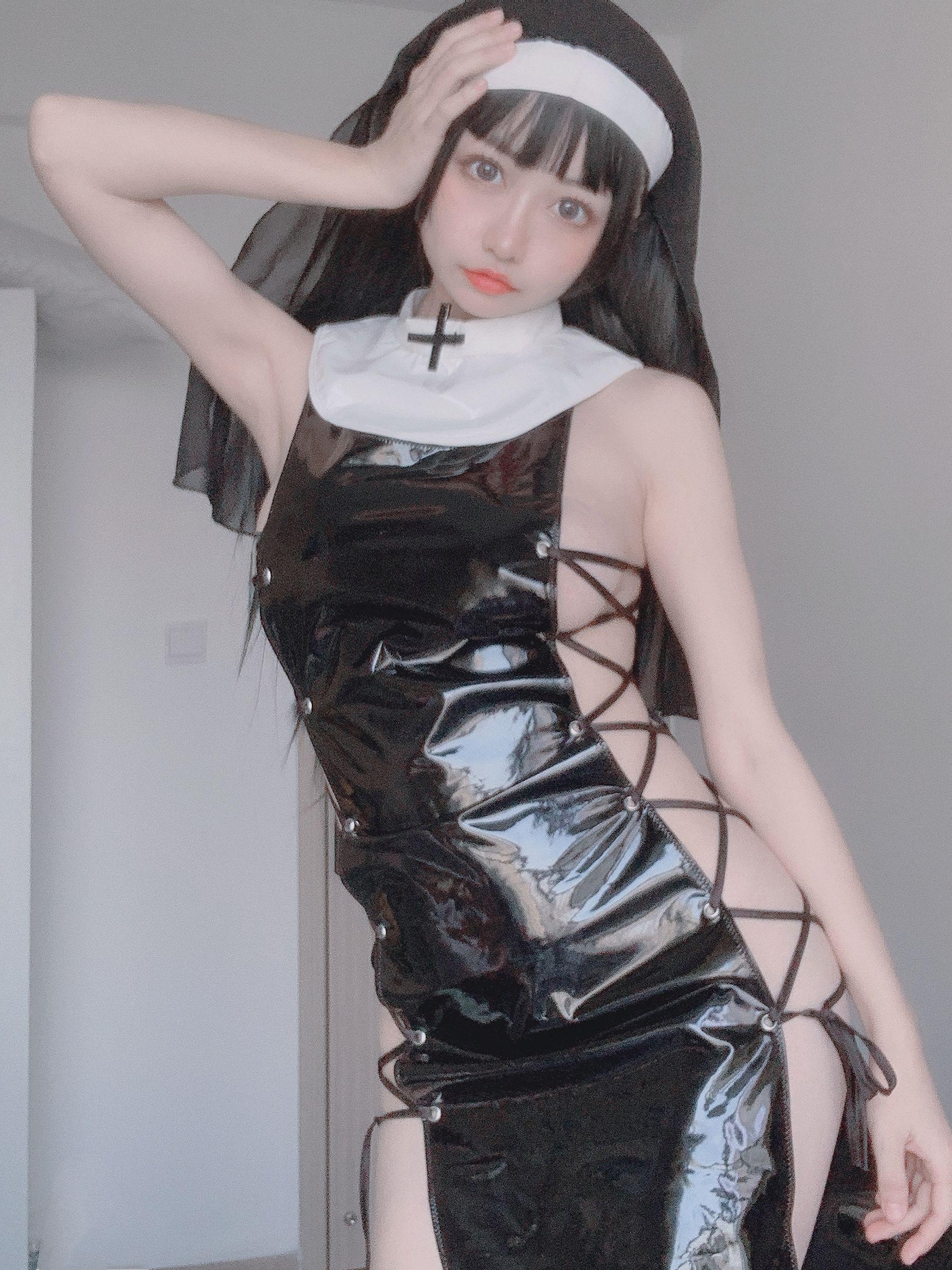 VOL.61 [网络美女]COSPLAY:神本无尾_Aria超高清写真套图(10P)