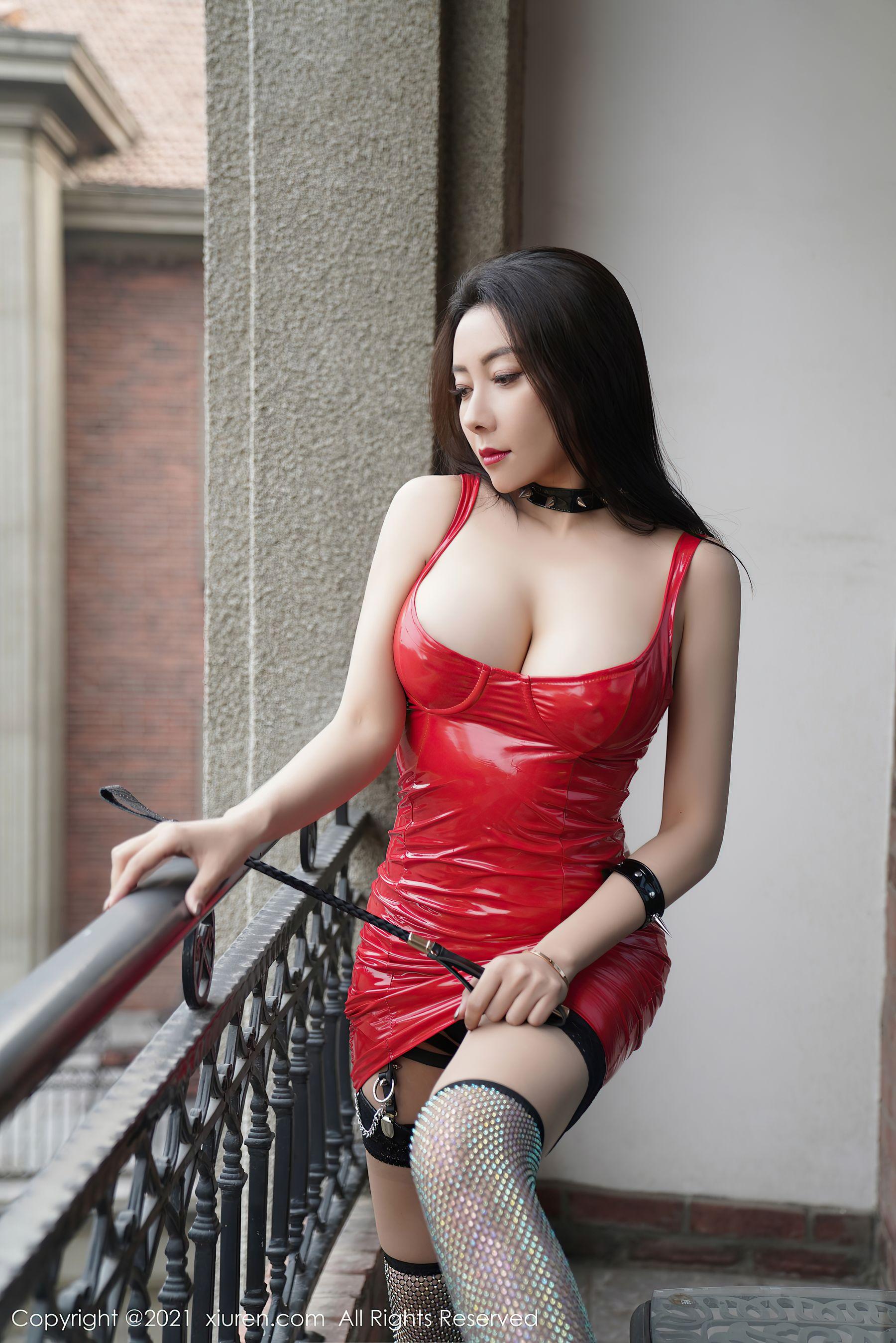 VOL.513 [秀人网]福利情趣内衣巨乳白嫩:松果儿(闫雪松)超高清写真套图(49P)