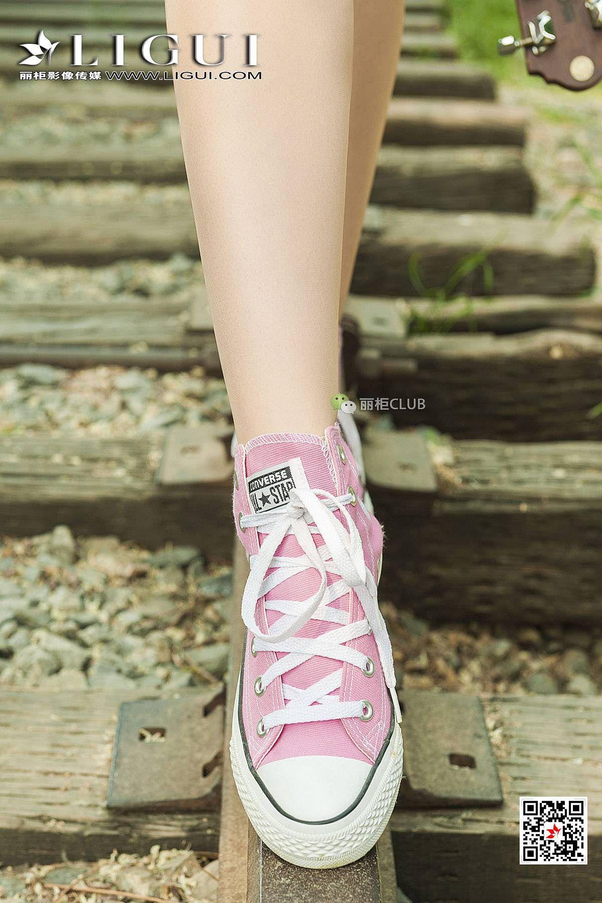 VOL.532 [丽柜]热裤丝袜美腿美足美脚长腿美女:丽柜小戈(腿模小戈,足模小戈,LIGUI小戈)超高清写真套图(61P)