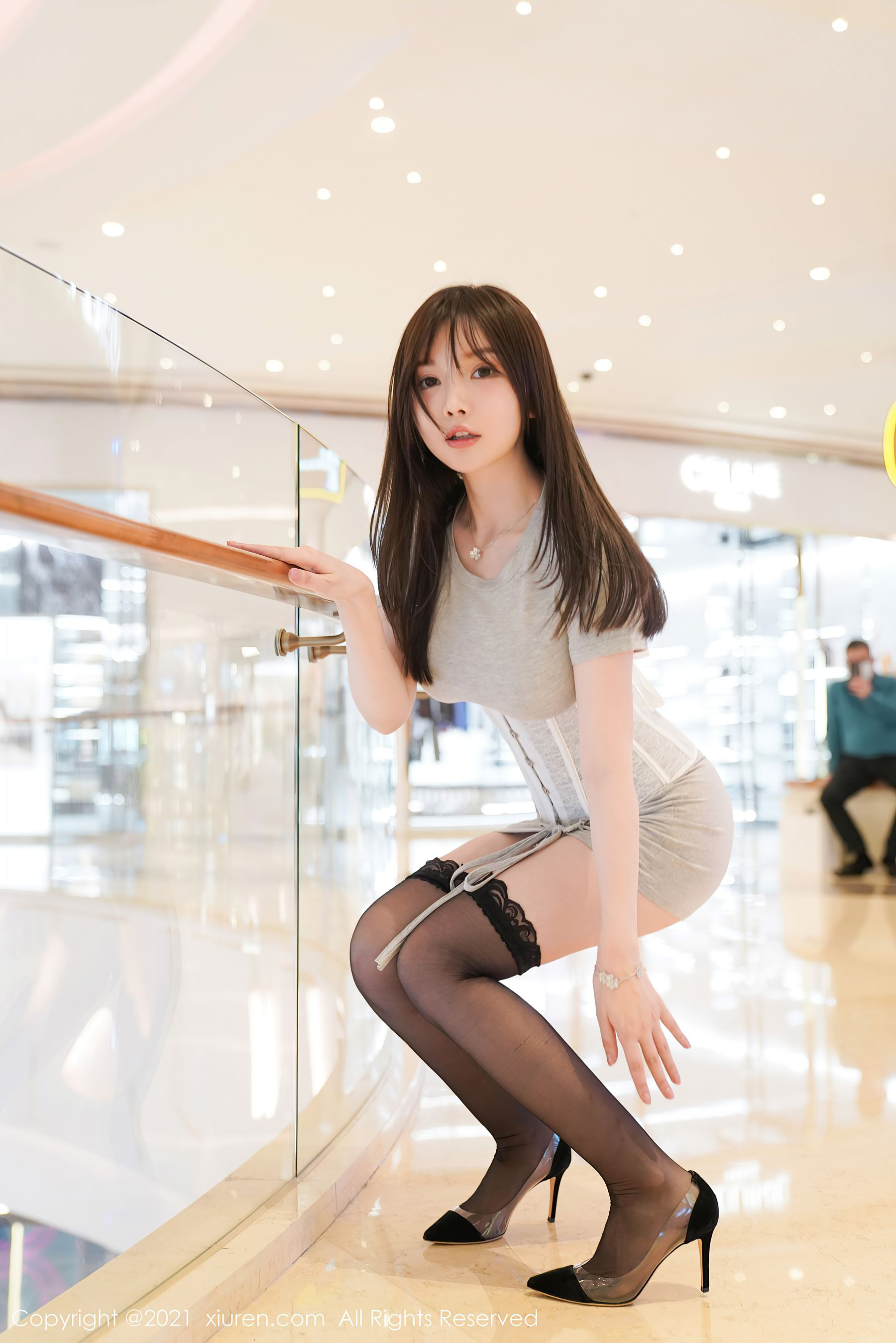 VOL.953 [秀人网]大胸美臀黑丝诱惑:糯美子MINIbabe(米妮大萌萌,苏糯米,糯美子Mini,米妮mini)超高清写真套图(60P)