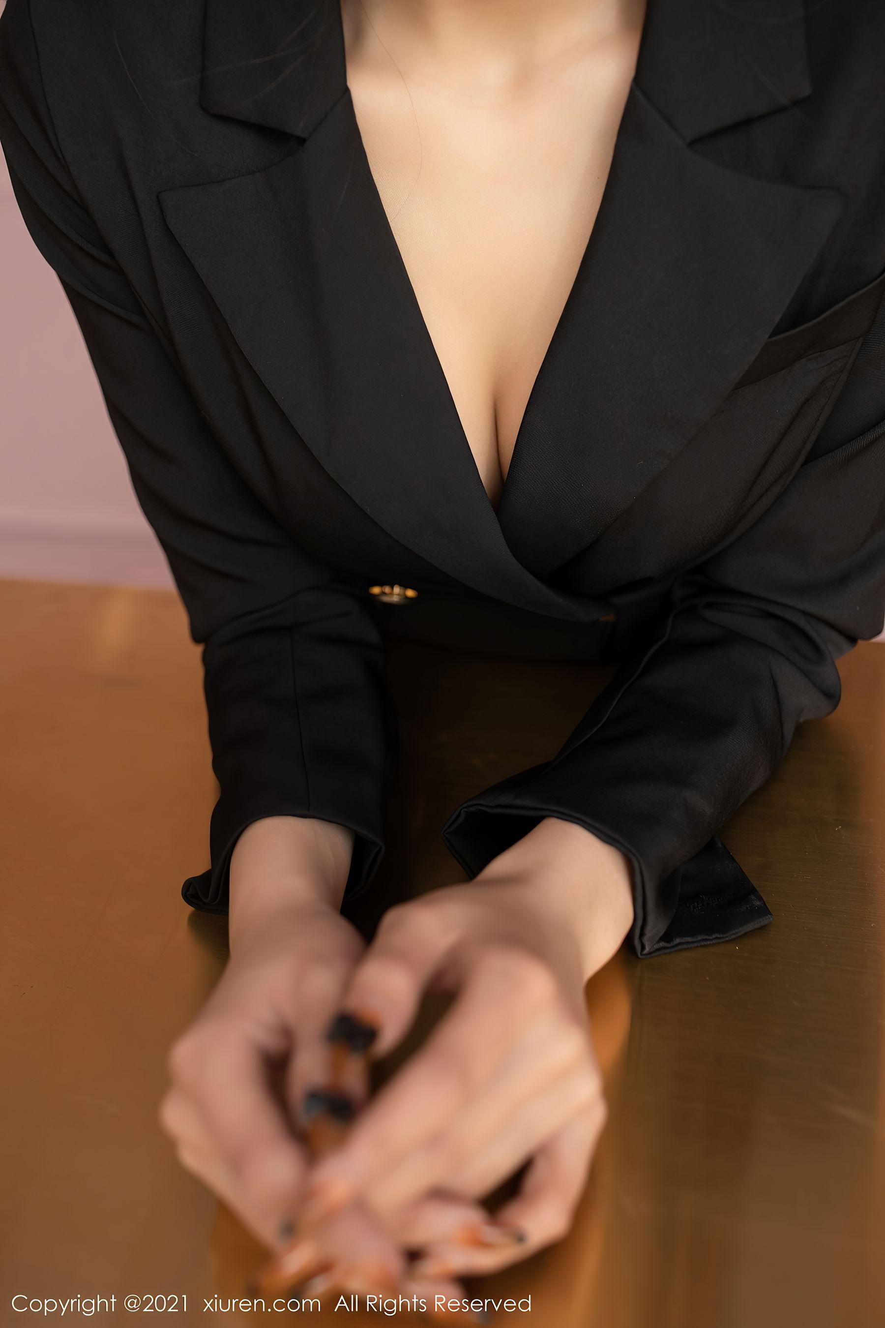 VOL.1073 [秀人网]职业装黑丝诱惑:陈小喵(陈小喵Aurora,原天夕子)超高清写真套图(66P)
