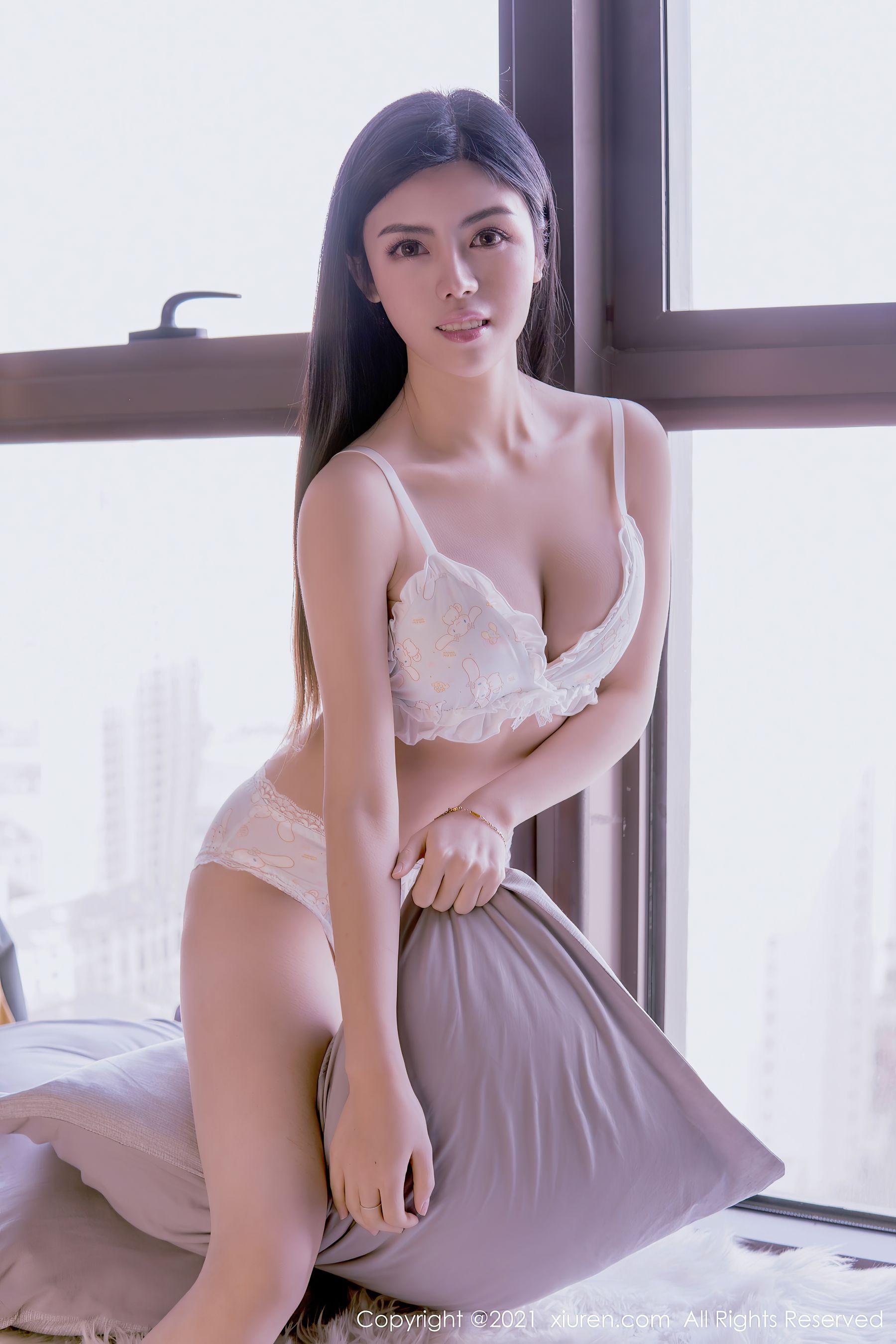 VOL.754 [秀人网]内衣美女:白甜(嫩模白甜)超高清写真套图(40P)
