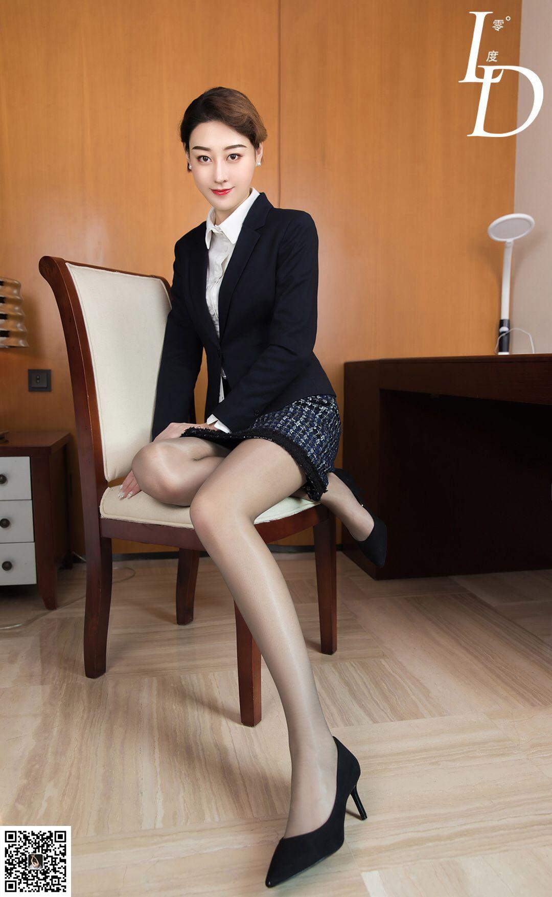 VOL.13 [LD零度]OL美女丝袜制服白领丽人:依婷高品质写真套图(88P)