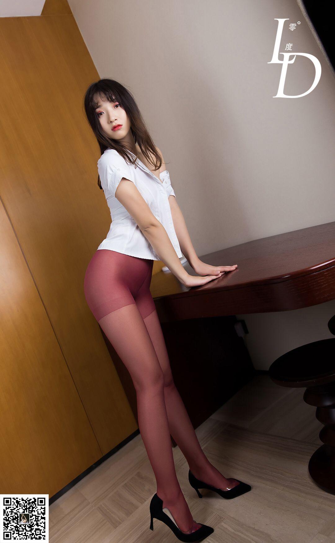 VOL.1219 [LD零度]丝袜诱惑红色丝袜:萱萱高品质写真套图(81P)