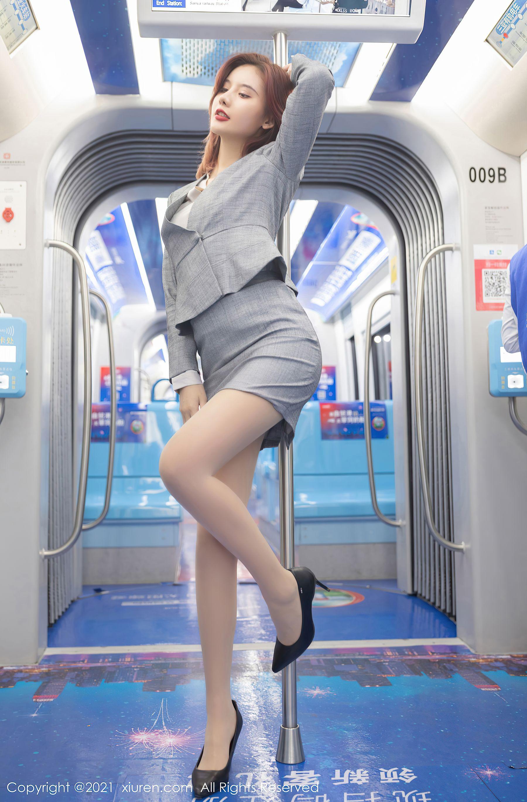 VOL.108 [秀人网]福利丝袜诱惑丝袜制服:阿朱(就是阿朱啊)超高清写真套图(66P)