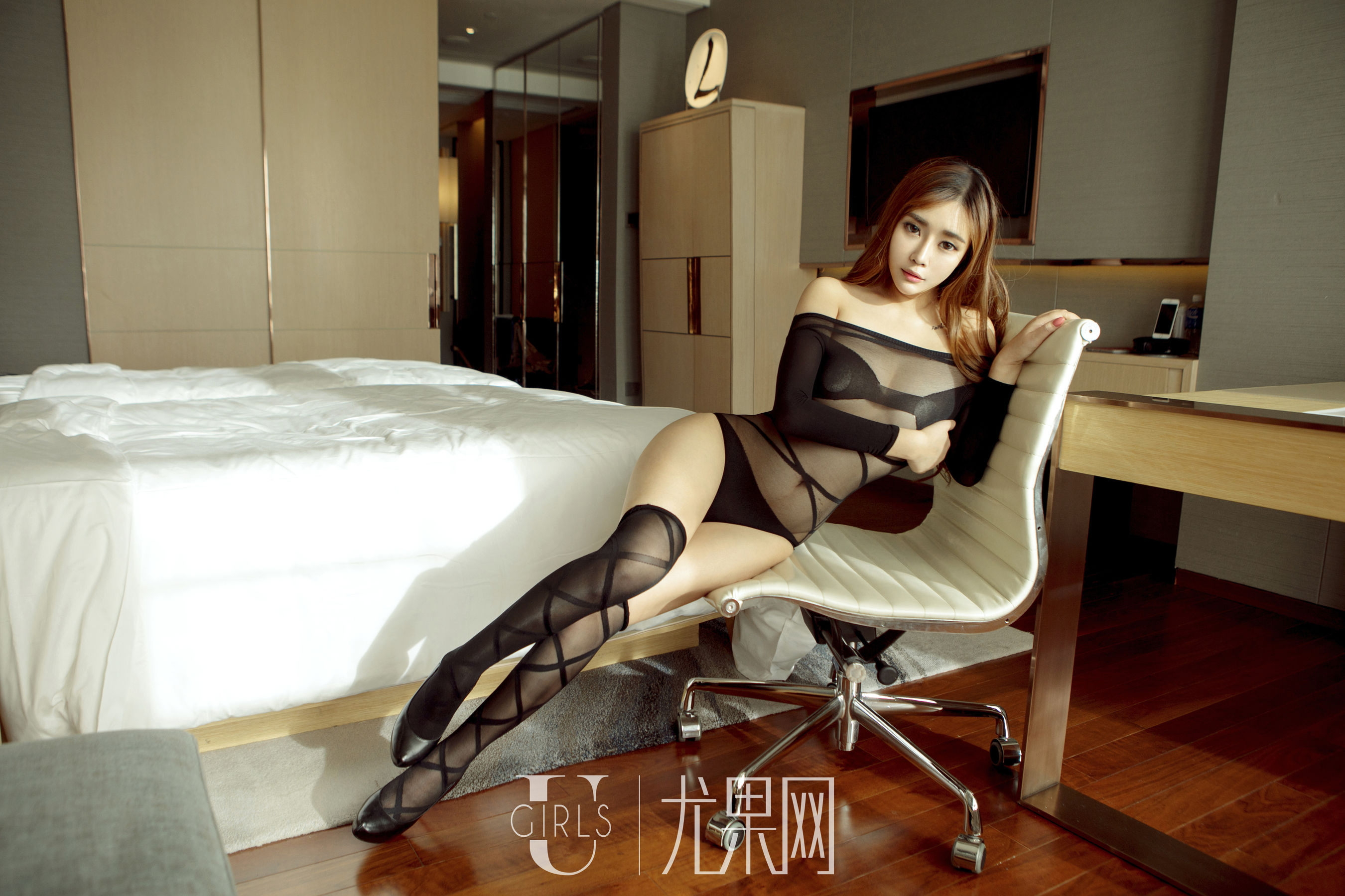 VOL.20 [尤果网]丝袜美女情趣内衣丝袜诱惑妹子:乔依琳(乔依琳Joylin)超高清写真套图(65P)