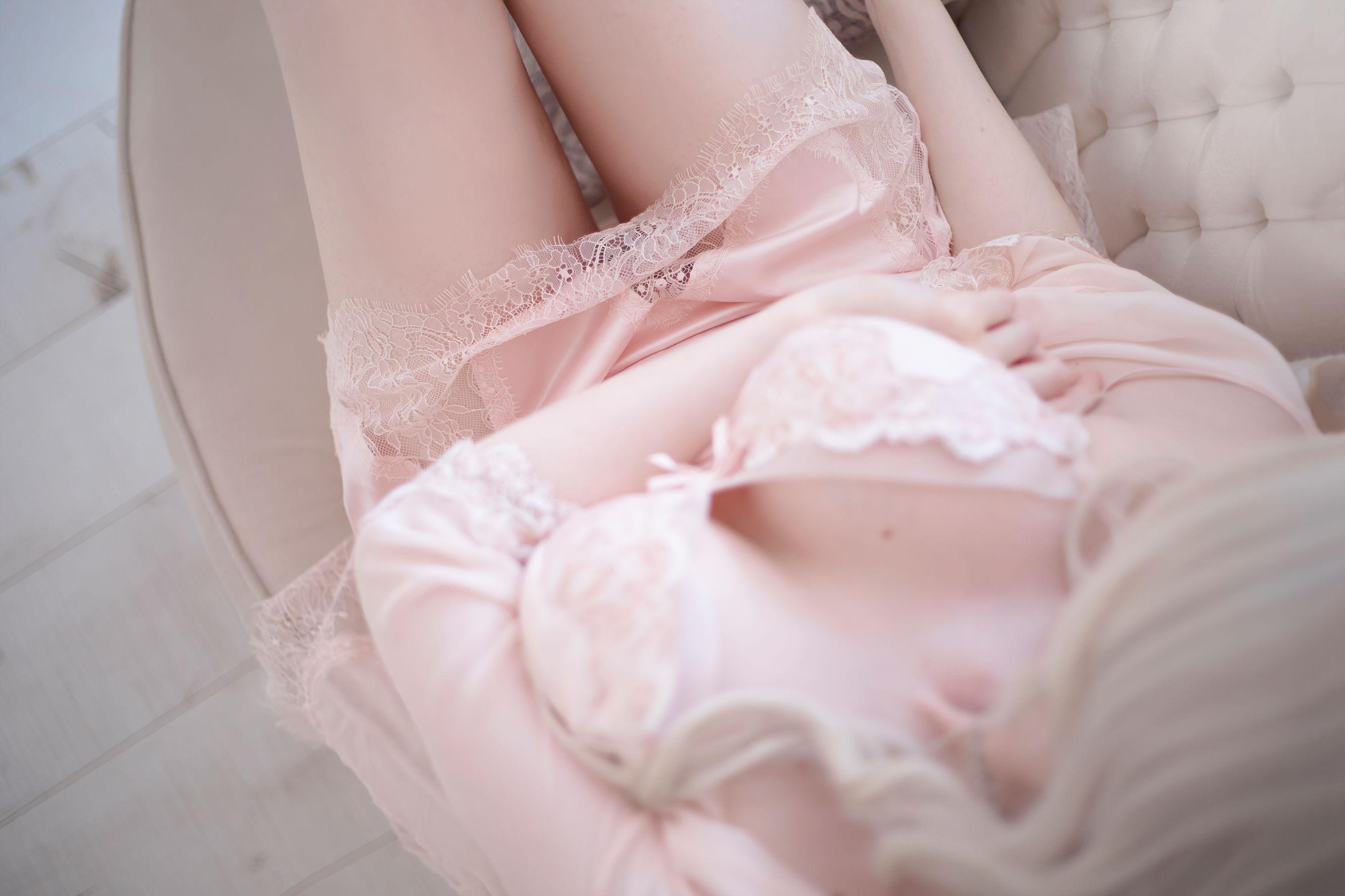 VOL.1610 [网络美女]睡衣:SayaTheFox超高清写真套图(15P)