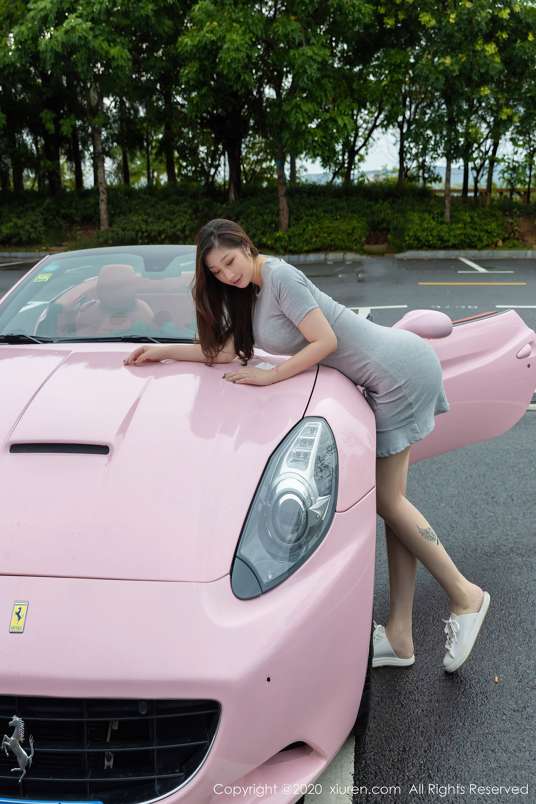 VOL.1646 [秀人网]姐妹花香车美女:Egg_尤妮丝超高清写真套图(65P)