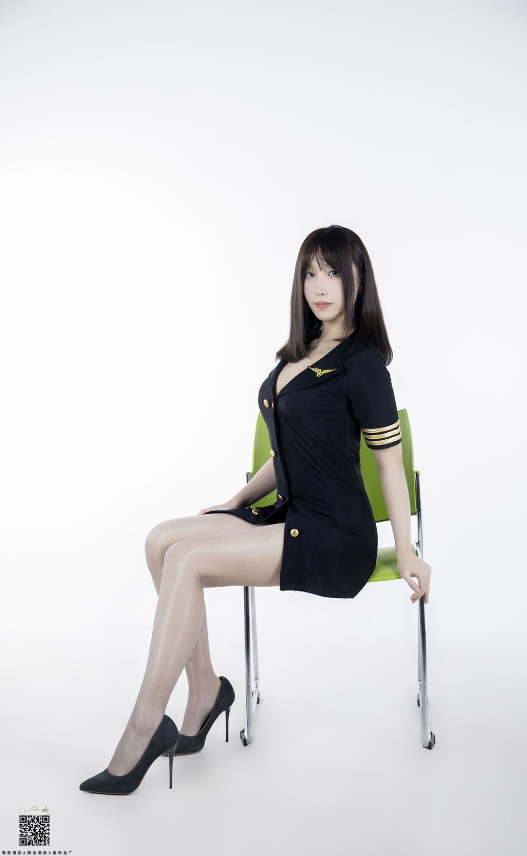 VOL.1055 [LD零度]丝袜制服:美佐高品质写真套图(51P)