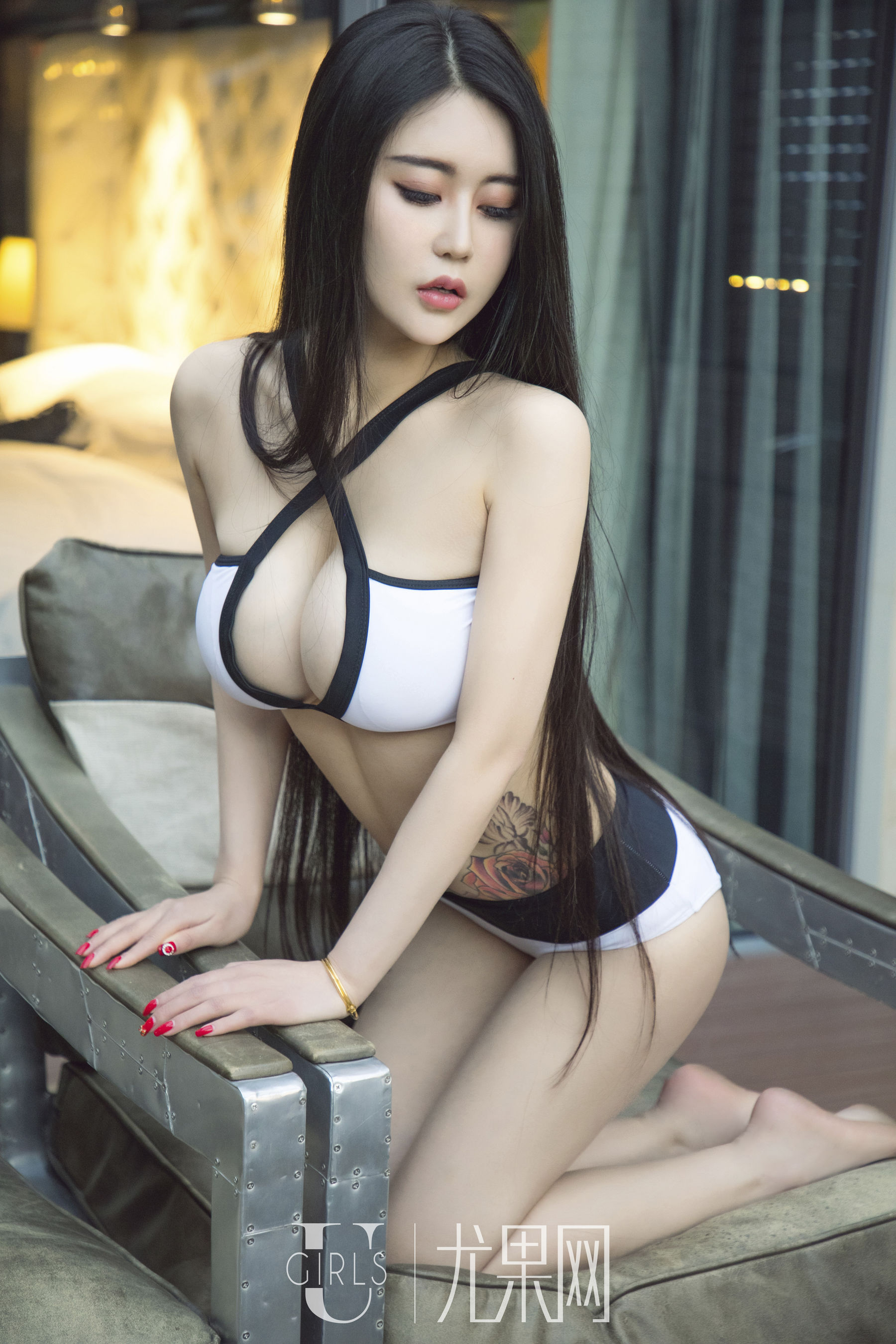 VOL.1274 [尤果网]美胸极品女神长发美女:小沫(尤果网小沫)超高清写真套图(65P)