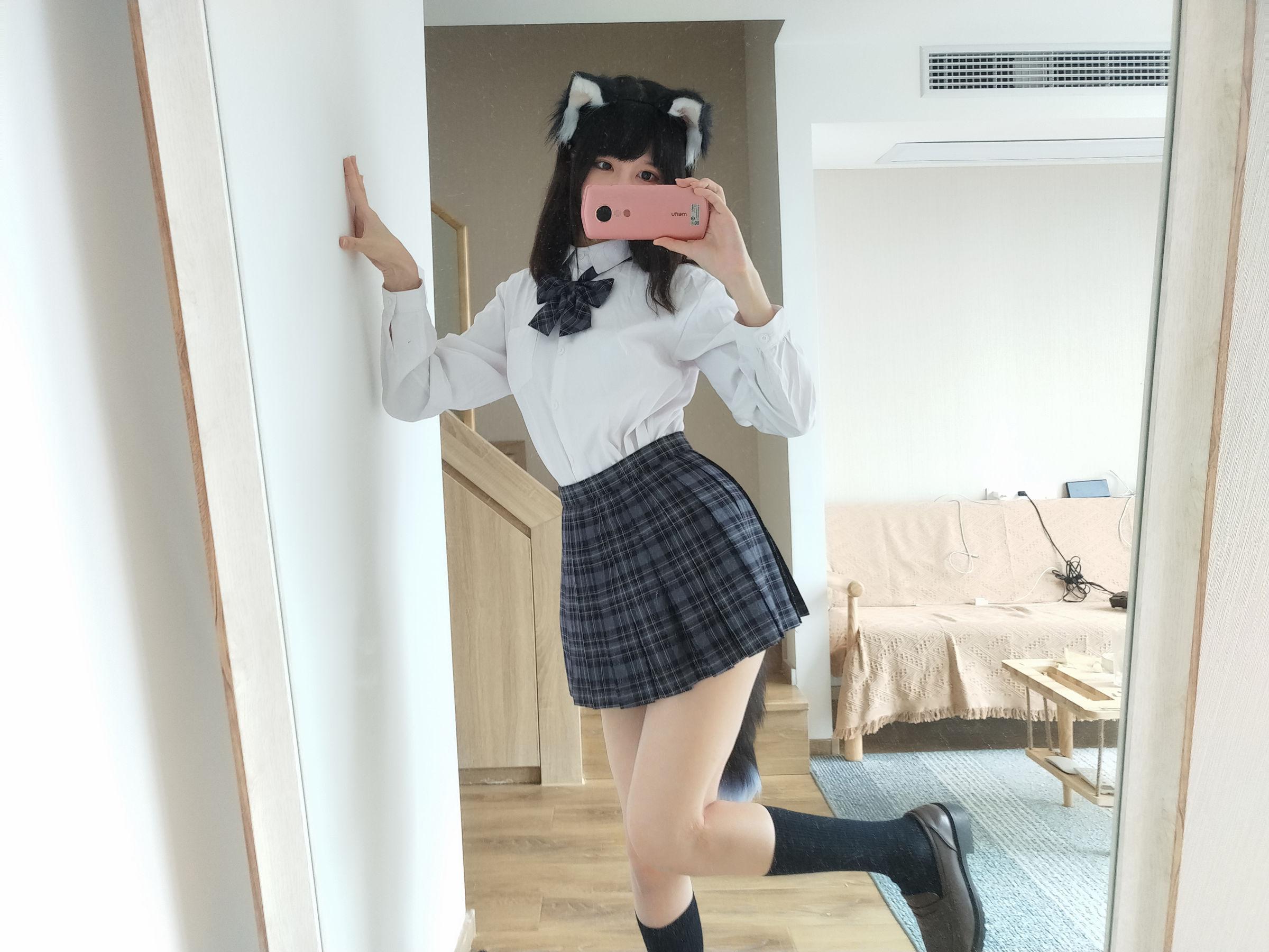 VOL.747 [网络美女]猫女郎:魔物喵(NAGISA魔物喵)超高清写真套图(25P)