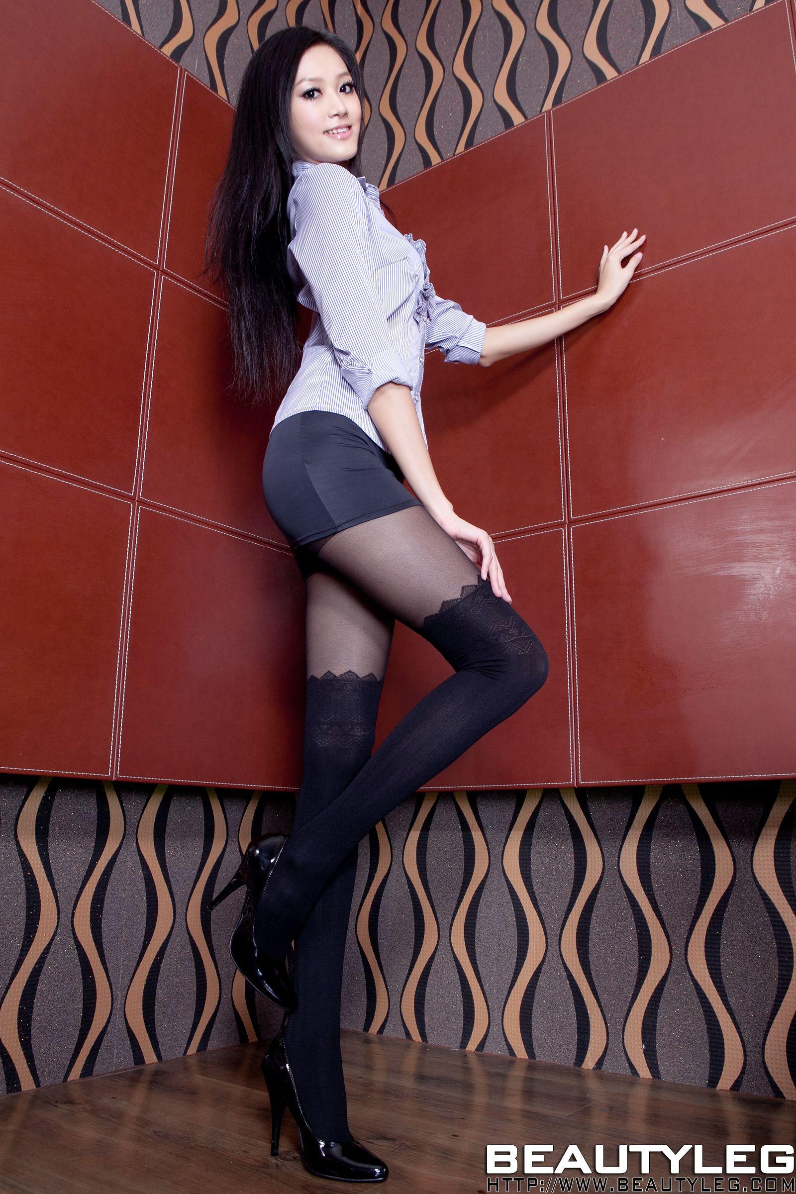 VOL.1349 [Beautyleg]丝袜美腿:董靓予(腿模Penny)超高清个人性感漂亮大图(59P)