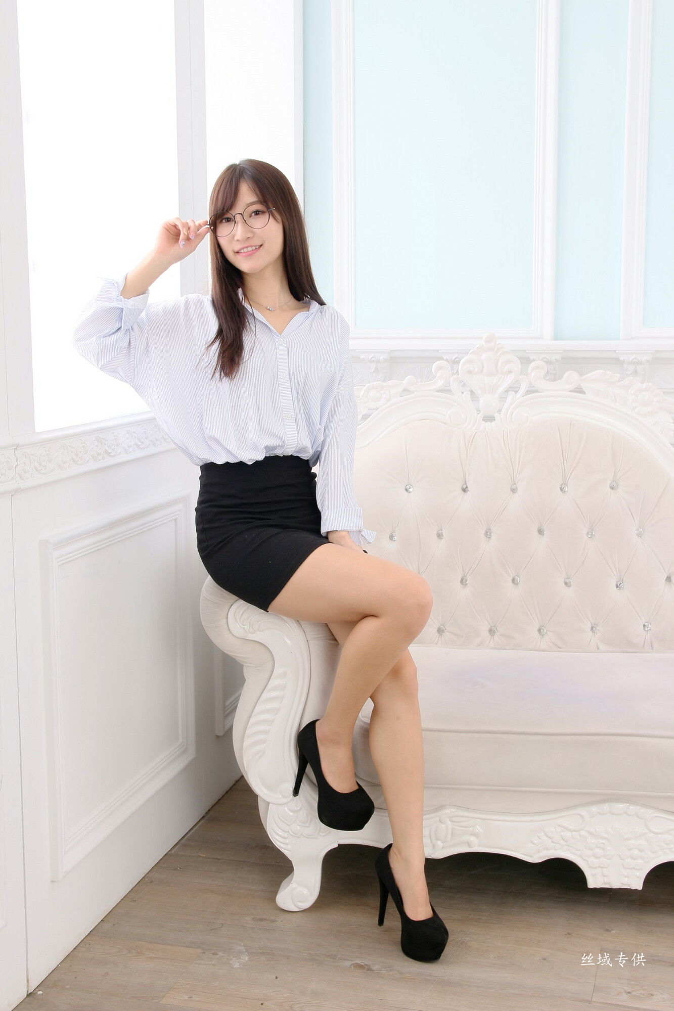 VOL.232 [台湾正妹]美腿OL美女:张雅筑(腿模Chu,张小筑)超高清个人性感漂亮大图(48P)