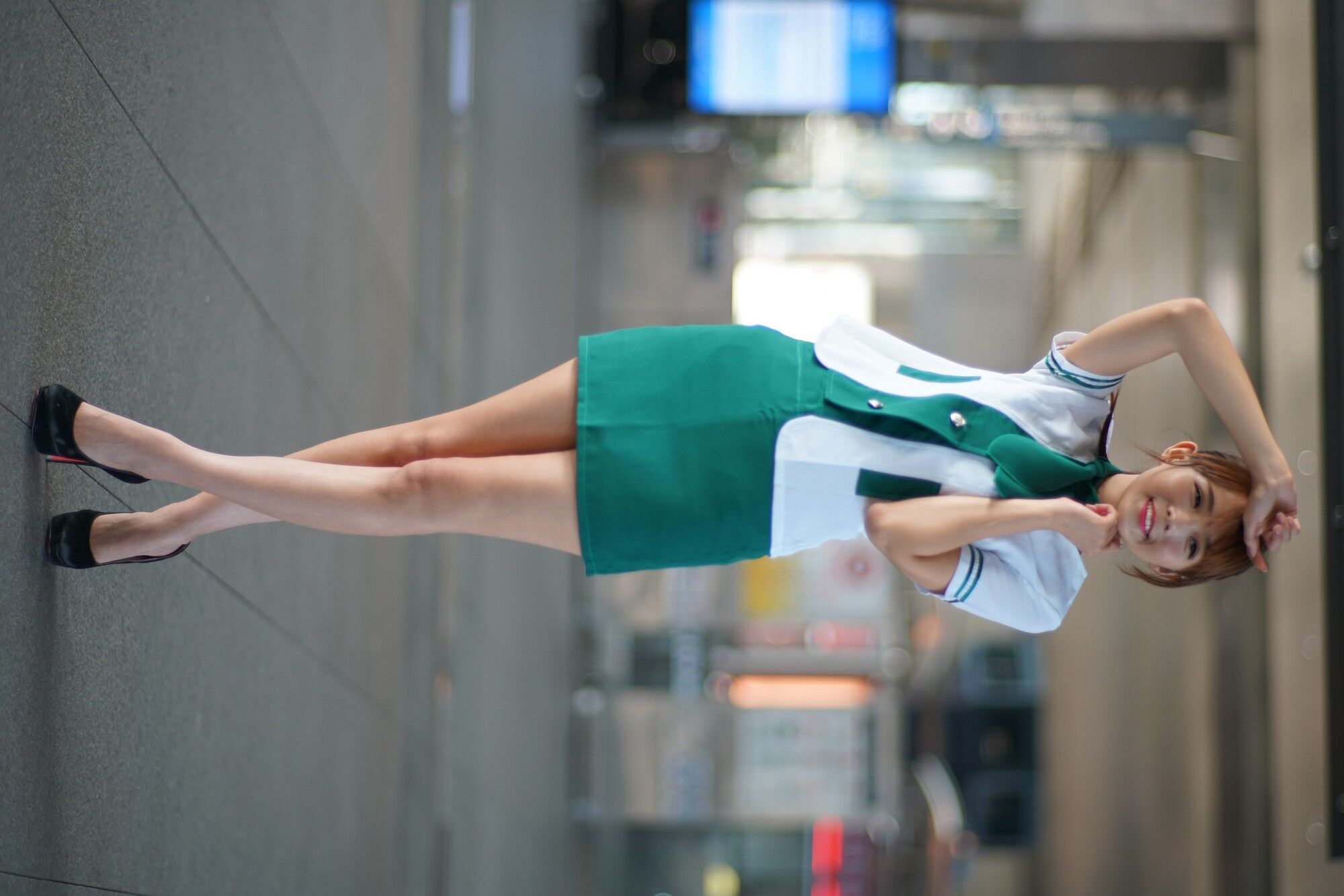 VOL.1839 [台湾正妹]美腿街拍空姐制服:苏郁媛超高清个人性感漂亮大图(136P)