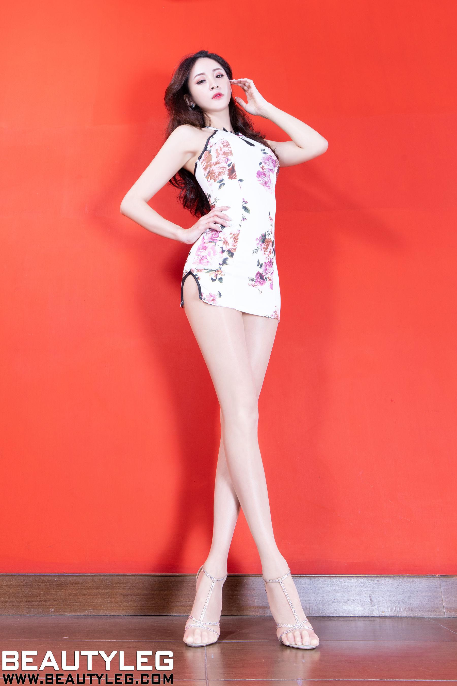 VOL.1395 [Beautyleg]丝袜美腿高跟:Lola雪岑(腿模Lola)超高清个人性感漂亮大图(34P)