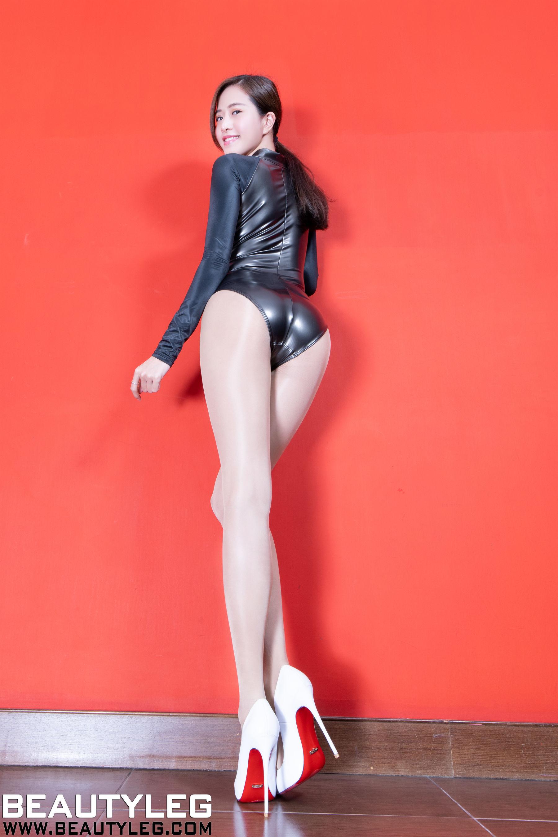 VOL.1621 [Beautyleg]肉丝美腿:张欣慈(腿模Olivia)超高清个人性感漂亮大图(48P)