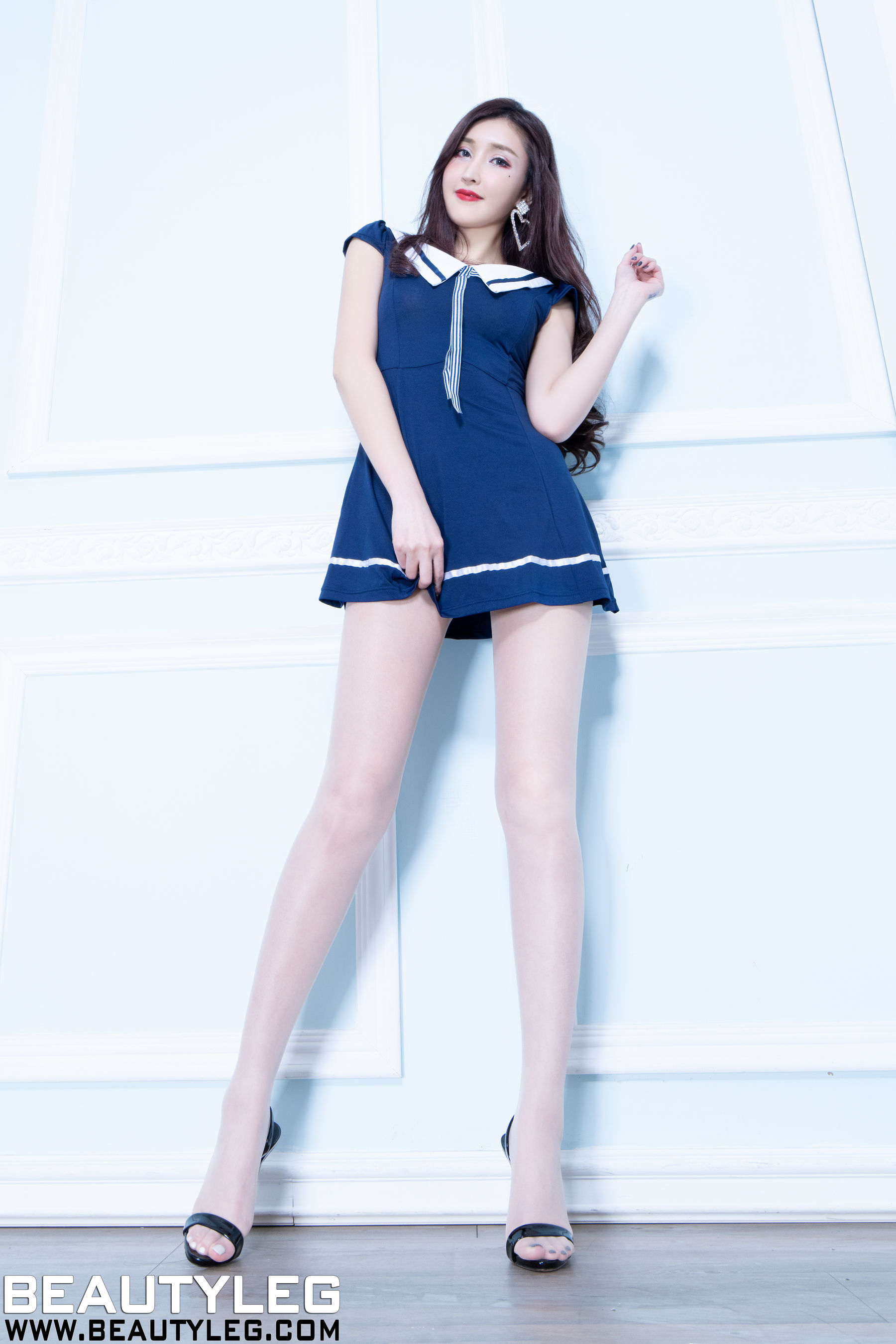 VOL.805 [Beautyleg]丝袜美腿:任育萱(腿模Vanessa)超高清个人性感漂亮大图(45P)
