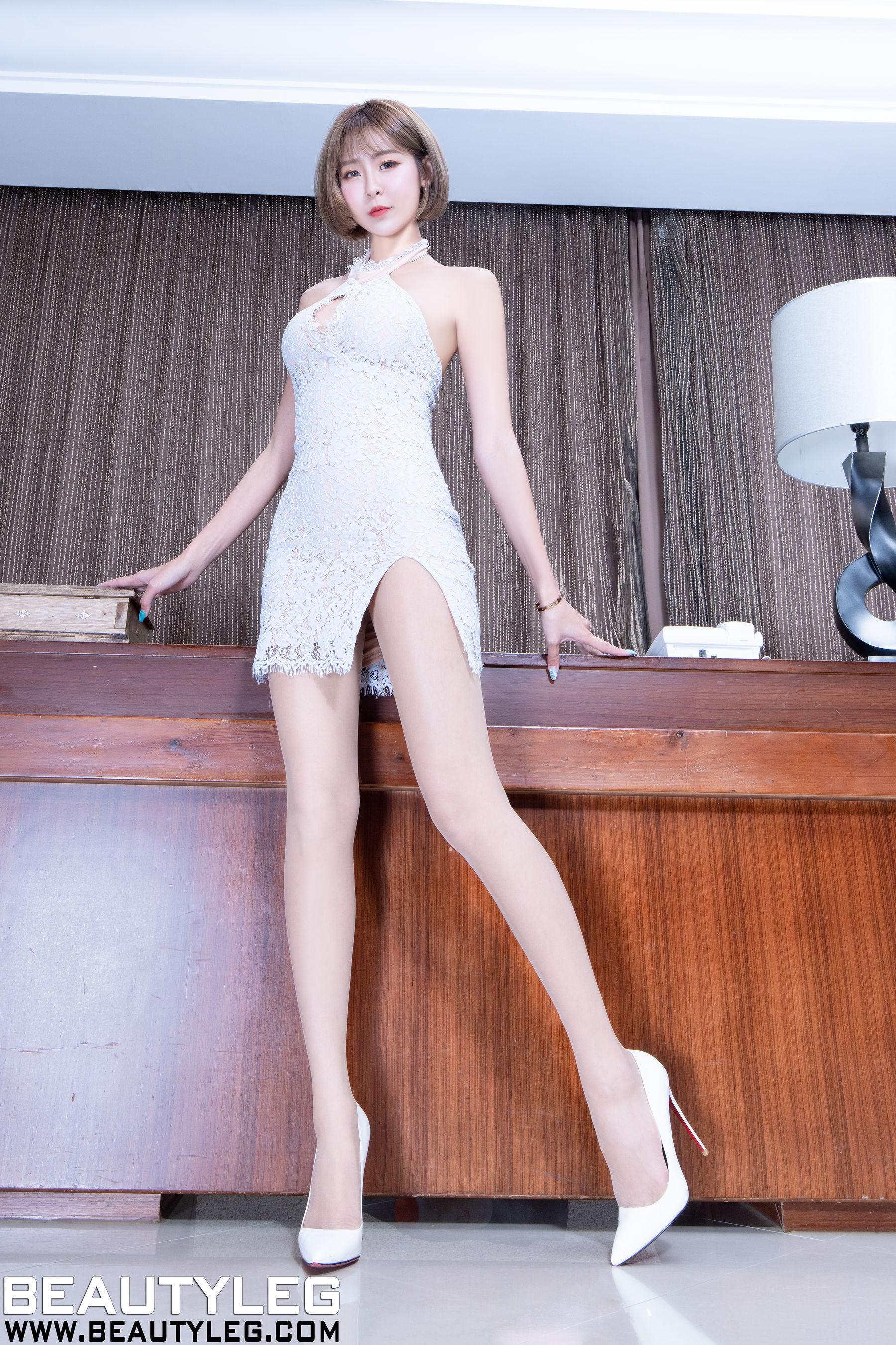 VOL.1080 [Beautyleg]肉丝美腿:Winnie小雪(庄咏惠,庄温妮,腿模Winnie)超高清个人性感漂亮大图(47P)