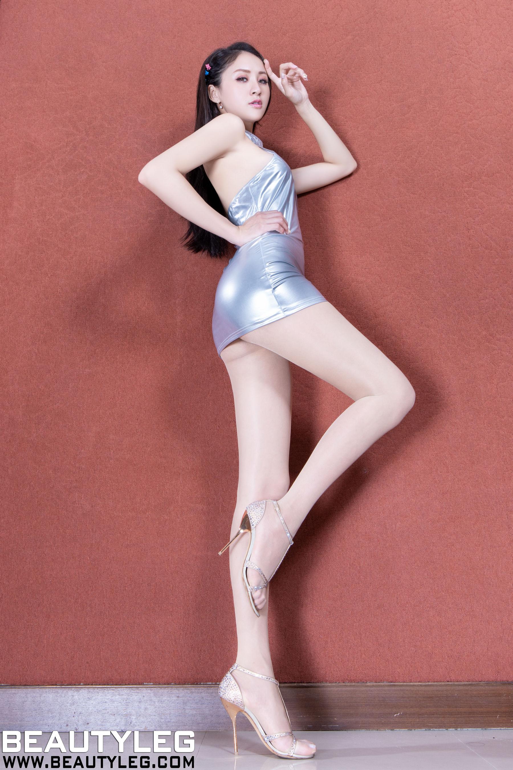 VOL.1782 [Beautyleg]肉丝美腿:Lola雪岑(腿模Lola)超高清个人性感漂亮大图(23P)