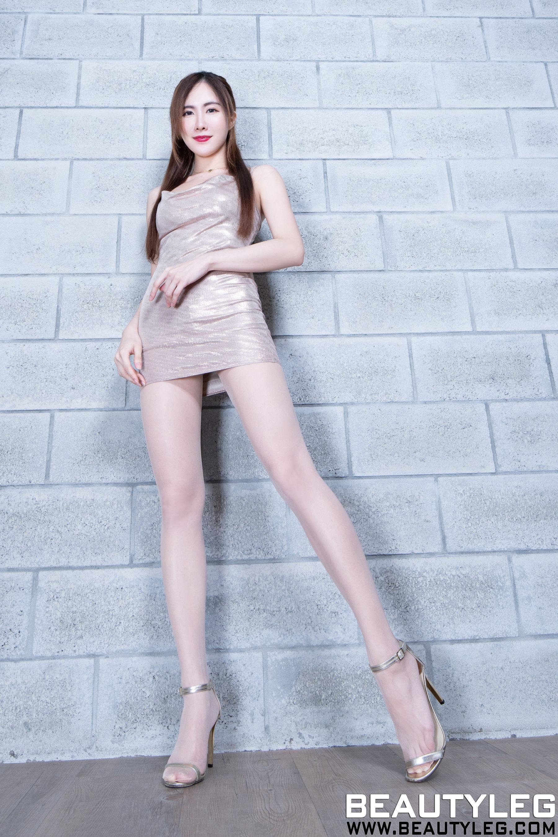 VOL.1047 [Beautyleg]丝袜美腿:曾妍希(腿模Dora)超高清个人性感漂亮大图(48P)