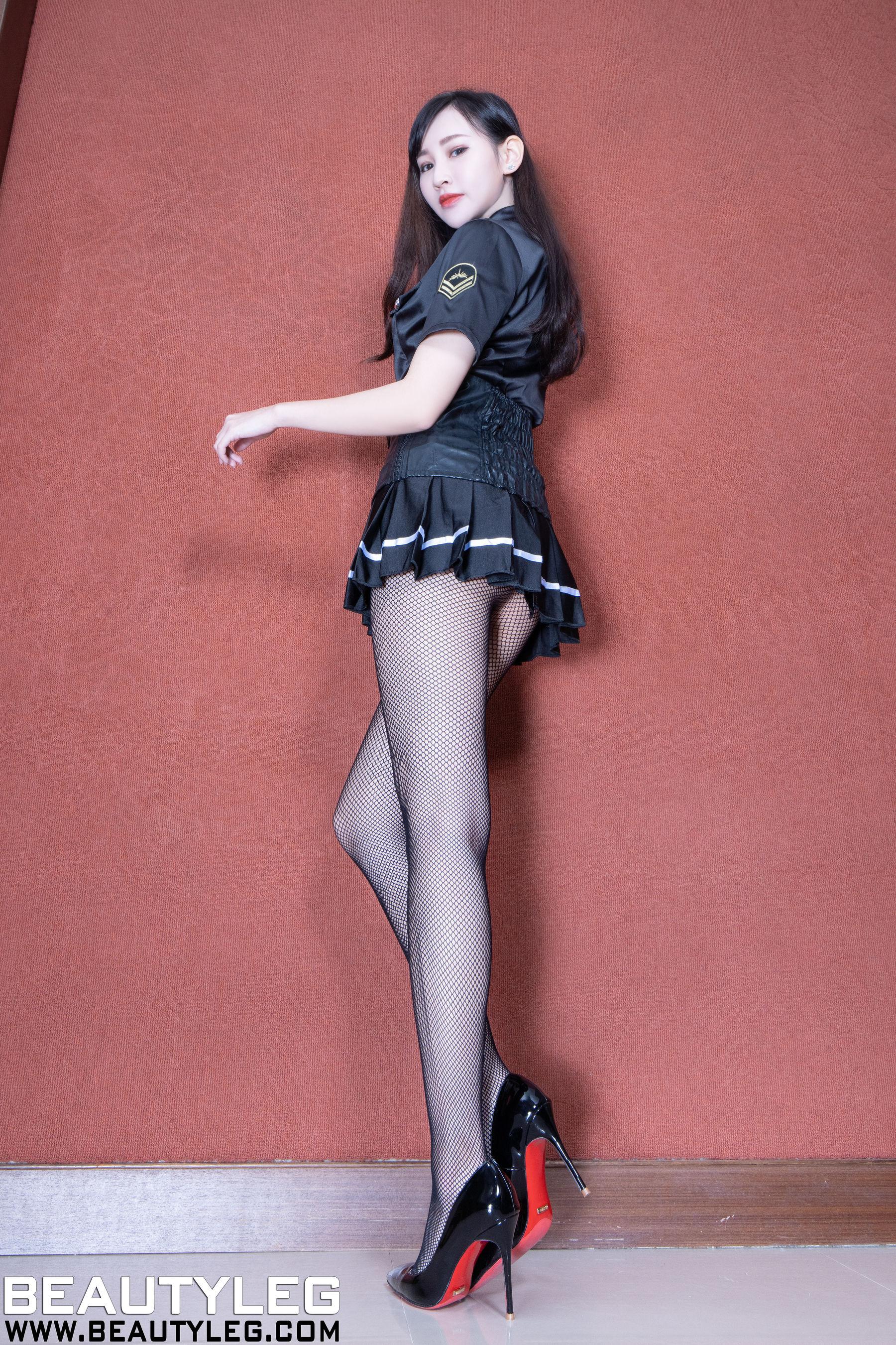 VOL.764 [Beautyleg]丝袜制服:腿模ChiChi超高清个人性感漂亮大图(38P)