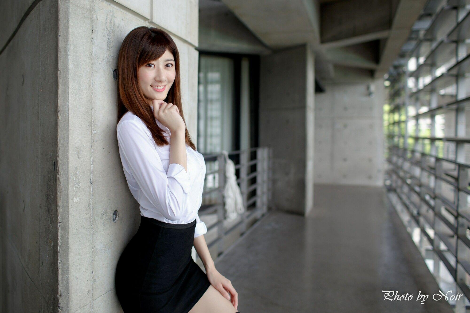 VOL.376 [台湾正妹]OL美女街拍美臀街拍短裙:蔡译心超高清个人性感漂亮大图(57P)